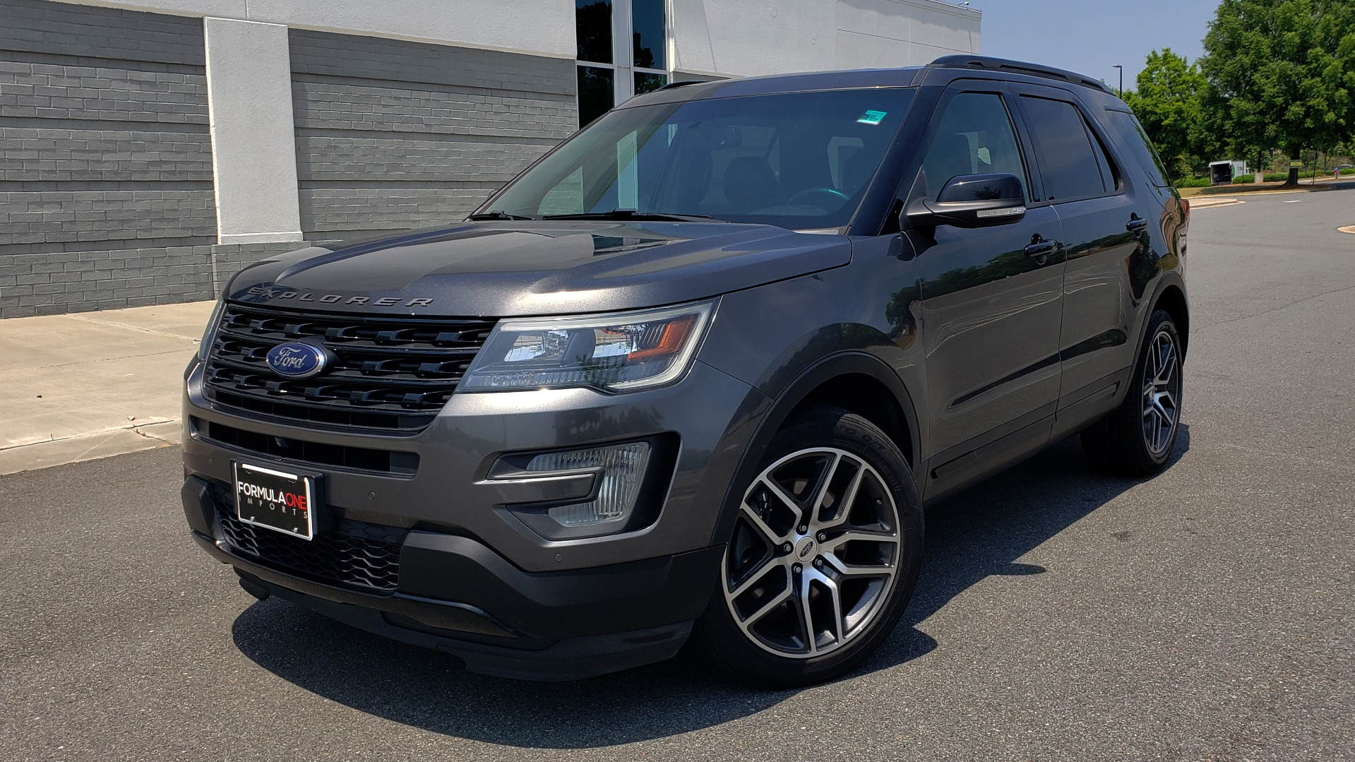 Used 2016 Ford EXPLORER SPORT 4WD / 3.5L ECOBOOST / 6-SPD AUTO / BSM / REARVIEW for sale Sold at Formula Imports in Charlotte NC 28227 1
