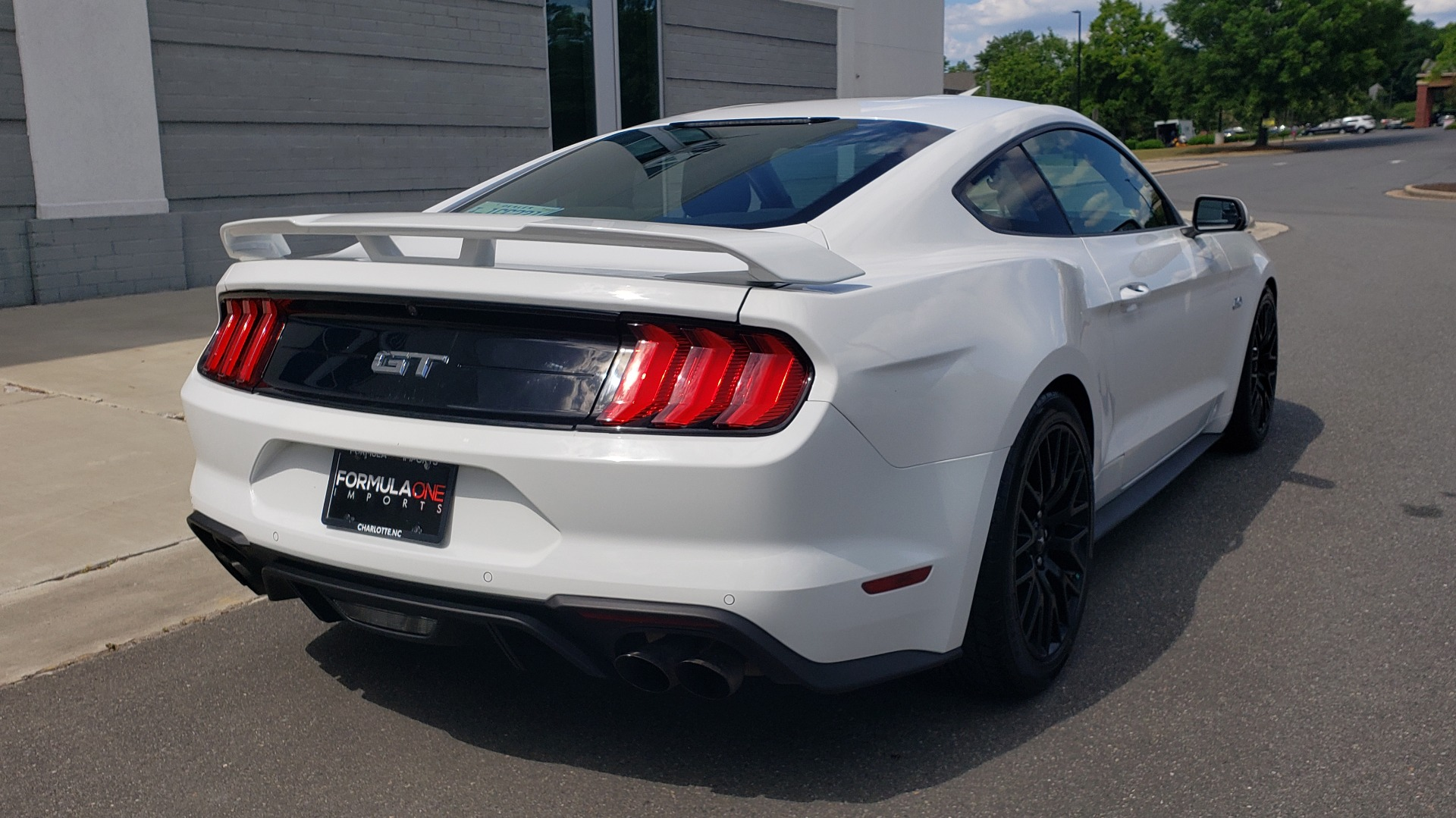 Used 2018 Ford MUSTANG GT COUPE / 5.0L V8 / AUTO / PERF PKG / REARVIEW / 19IN WHLS for sale Sold at Formula Imports in Charlotte NC 28227 2