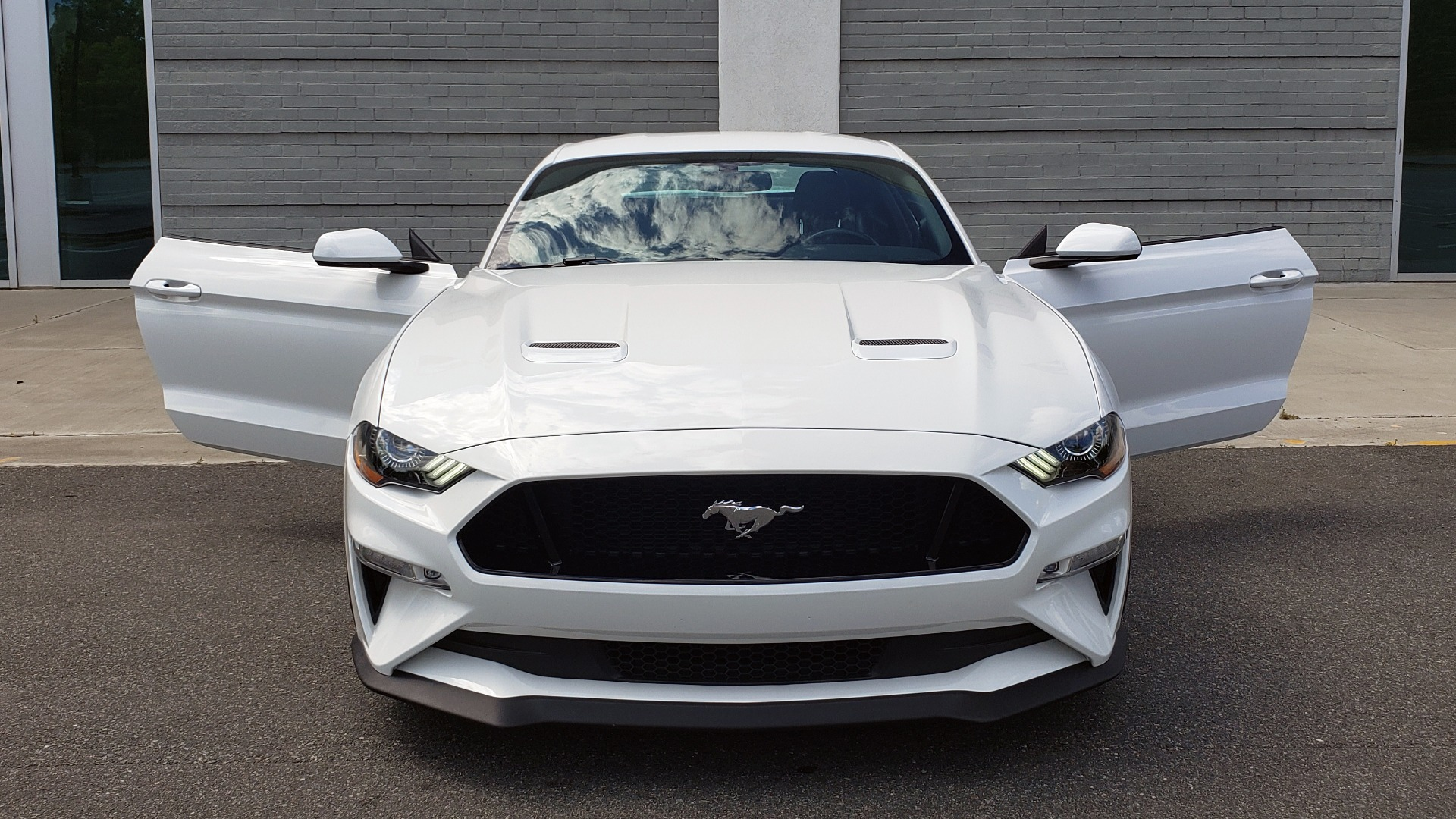 Used 2018 Ford MUSTANG GT COUPE / 5.0L V8 / AUTO / PERF PKG / REARVIEW / 19IN WHLS for sale Sold at Formula Imports in Charlotte NC 28227 21
