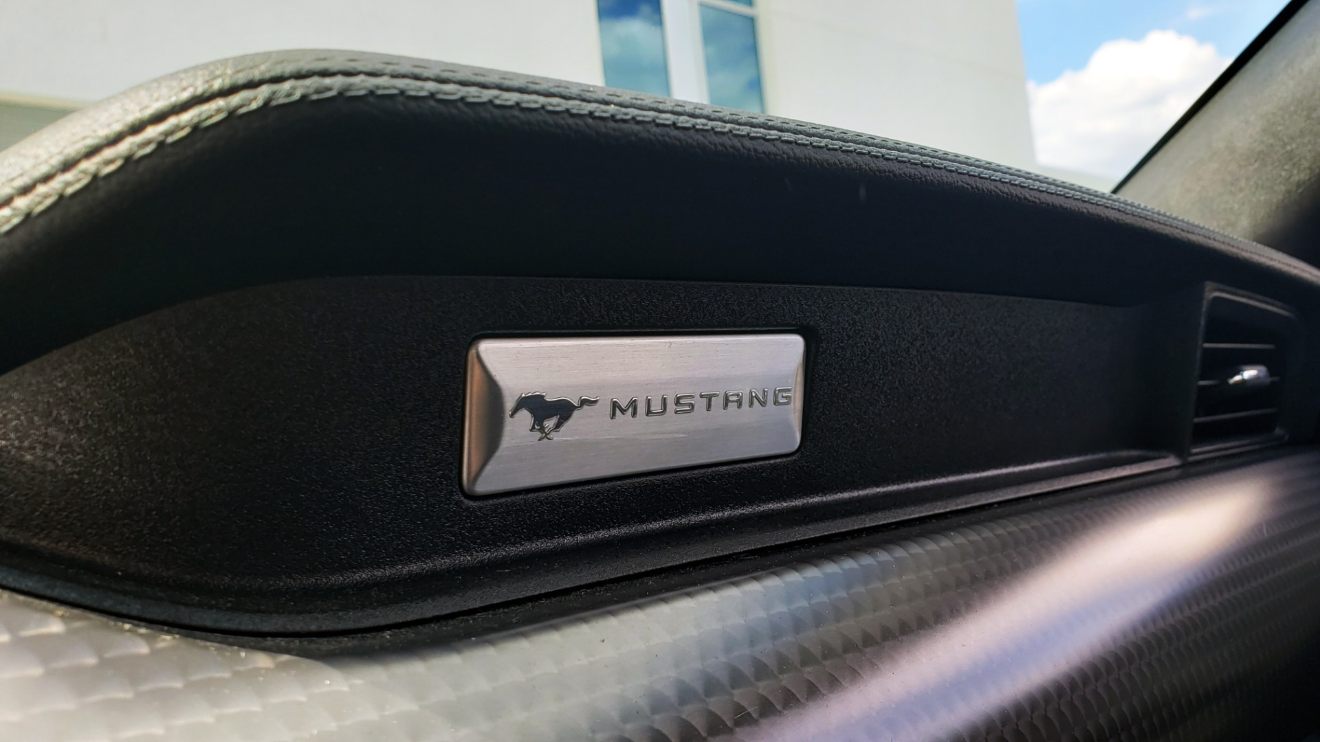 Used 2018 Ford MUSTANG GT COUPE / 5.0L V8 / AUTO / PERF PKG / REARVIEW / 19IN WHLS for sale Sold at Formula Imports in Charlotte NC 28227 55
