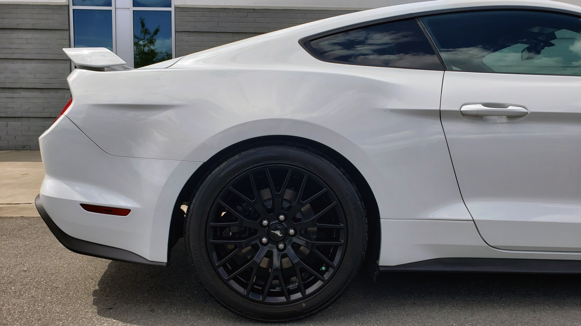 Used 2018 Ford MUSTANG GT COUPE / 5.0L V8 / AUTO / PERF PKG / REARVIEW / 19IN WHLS for sale Sold at Formula Imports in Charlotte NC 28227 69