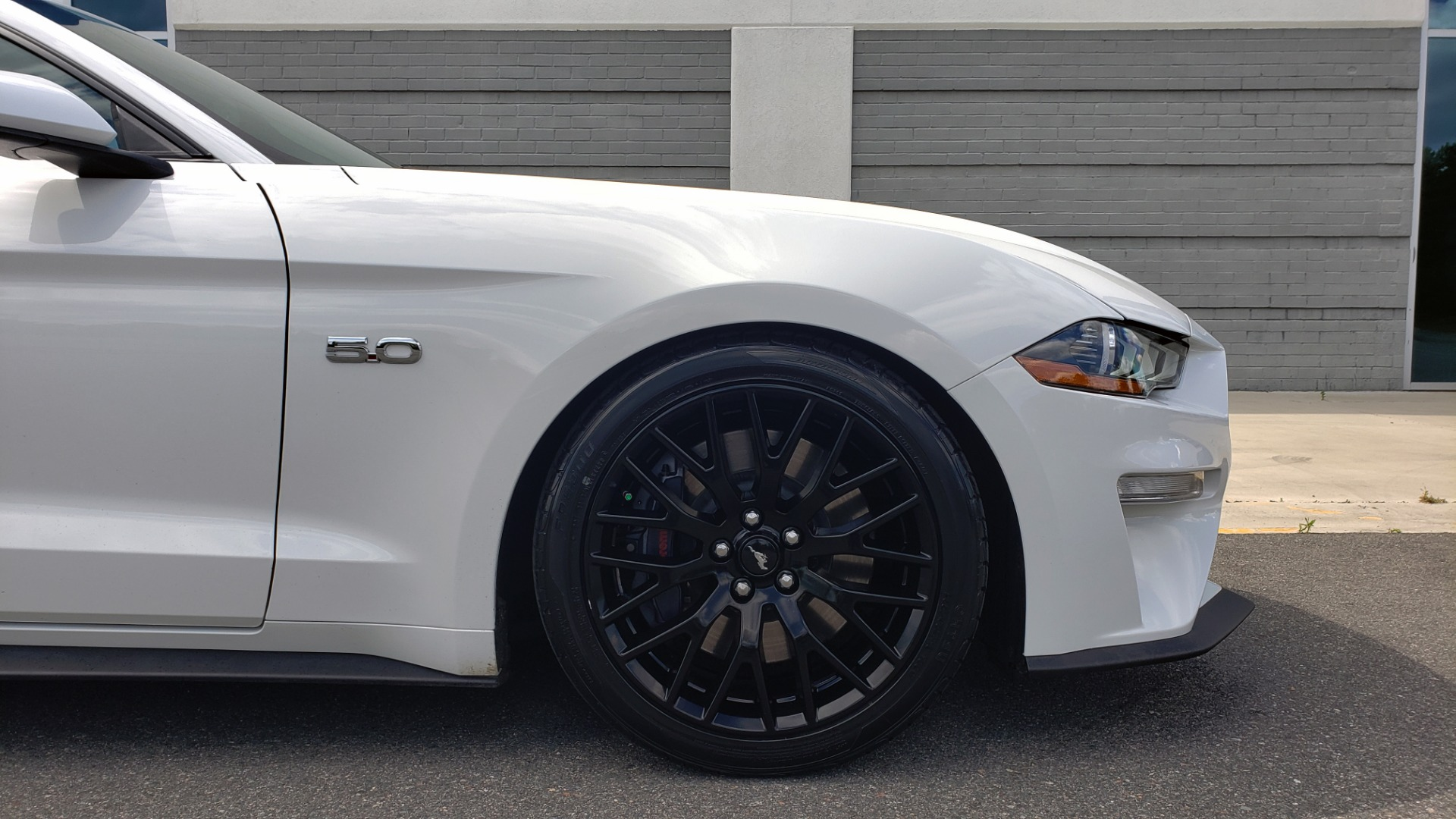 Used 2018 Ford MUSTANG GT COUPE / 5.0L V8 / AUTO / PERF PKG / REARVIEW / 19IN WHLS for sale Sold at Formula Imports in Charlotte NC 28227 70