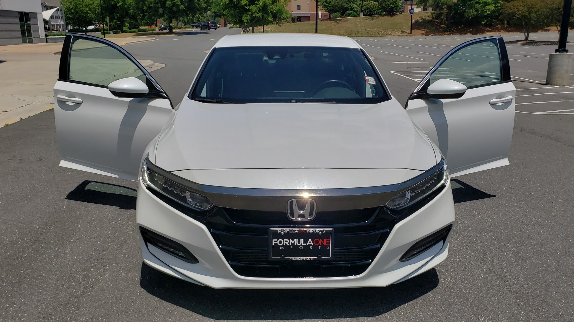 Used 2018 Honda ACCORD SEDAN SPORT 1.5T / CVT TRANS / FWD / 19IN WHEELS for sale $20,995 at Formula Imports in Charlotte NC 28227 16