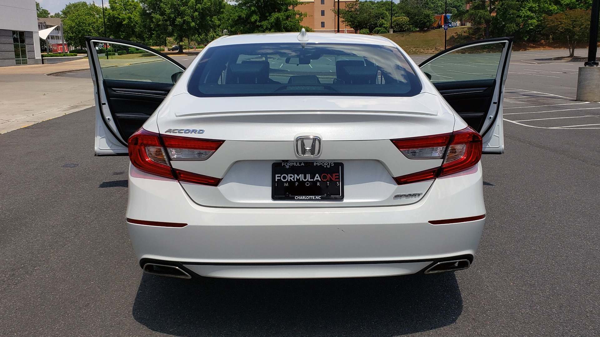 Used 2018 Honda ACCORD SEDAN SPORT 1.5T / CVT TRANS / FWD / 19IN WHEELS for sale $20,995 at Formula Imports in Charlotte NC 28227 22