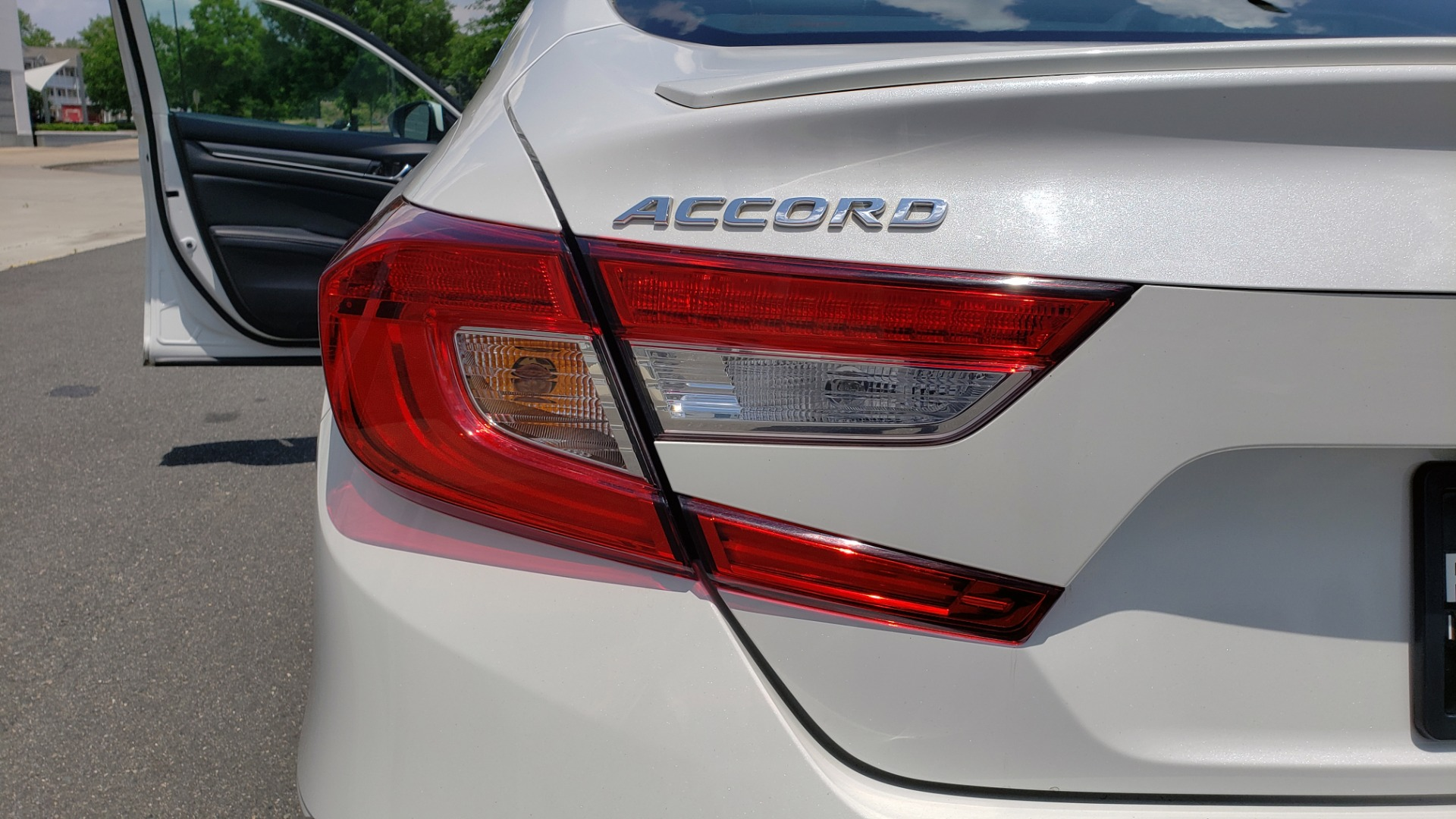 Used 2018 Honda ACCORD SEDAN SPORT 1.5T / CVT TRANS / FWD / 19IN WHEELS for sale $20,995 at Formula Imports in Charlotte NC 28227 23