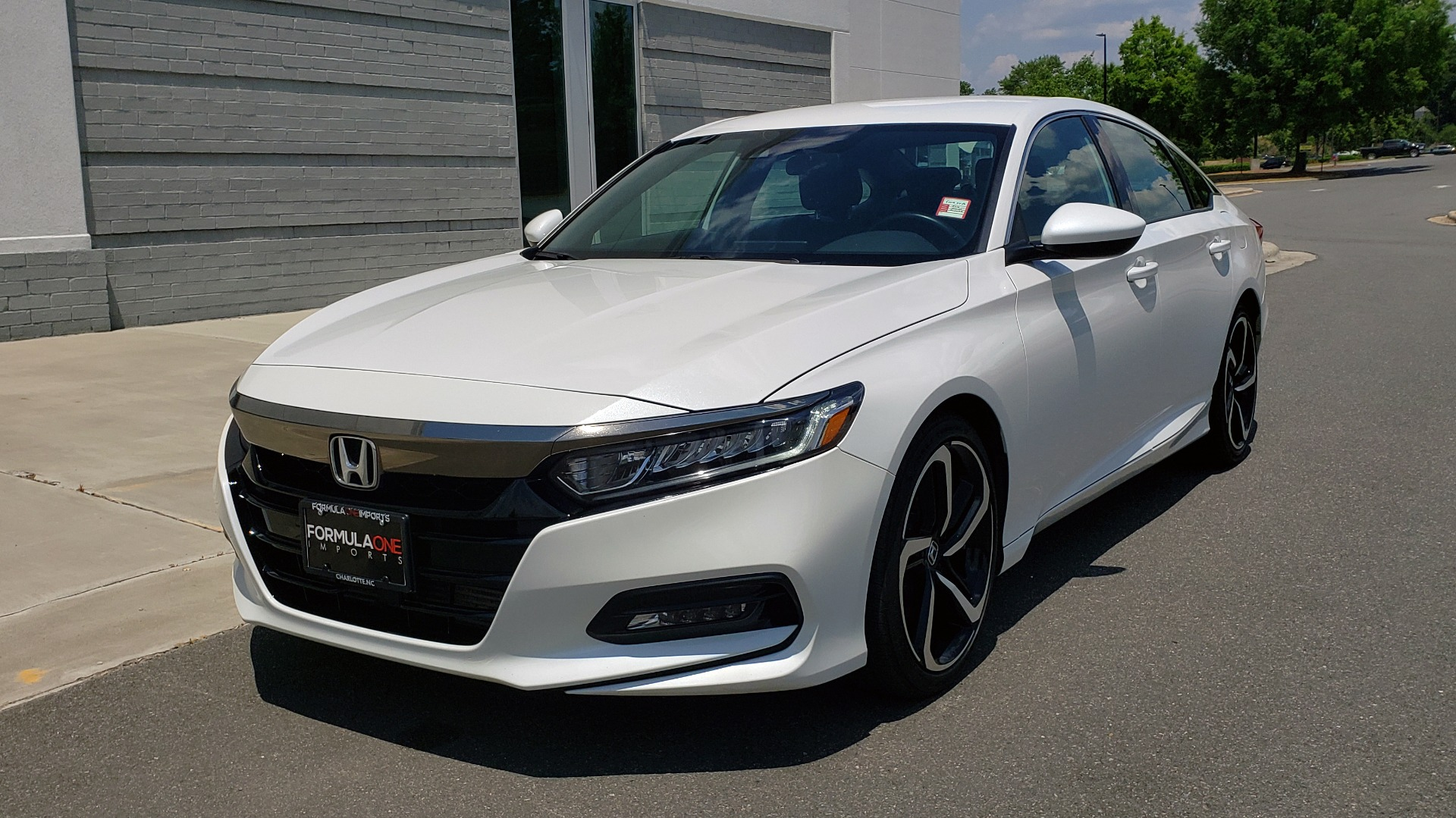 Used 2018 Honda ACCORD SEDAN SPORT 1.5T / CVT TRANS / FWD / 19IN WHEELS for sale $20,995 at Formula Imports in Charlotte NC 28227 3