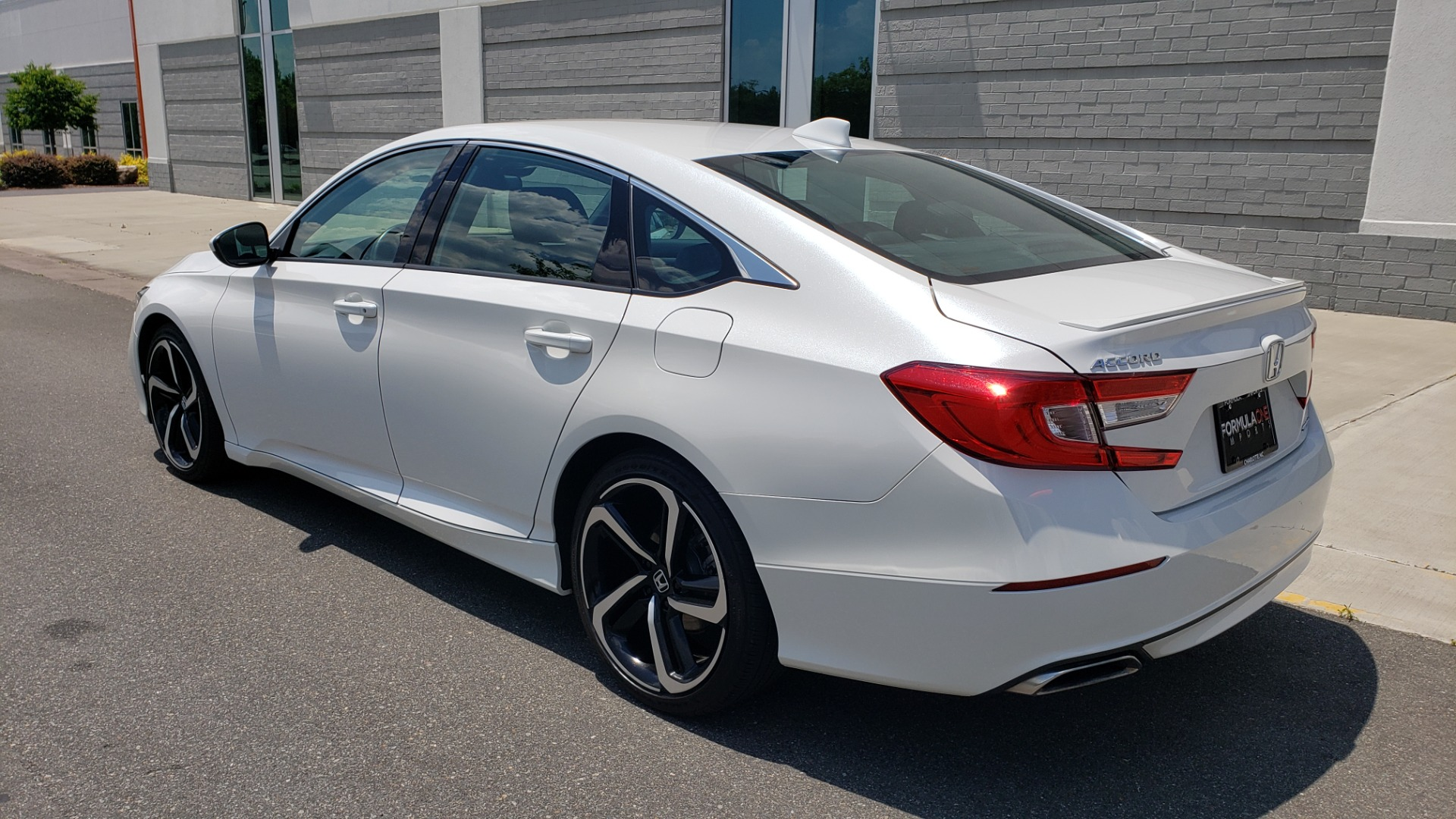Used 2018 Honda ACCORD SEDAN SPORT 1.5T / CVT TRANS / FWD / 19IN WHEELS for sale $20,995 at Formula Imports in Charlotte NC 28227 6