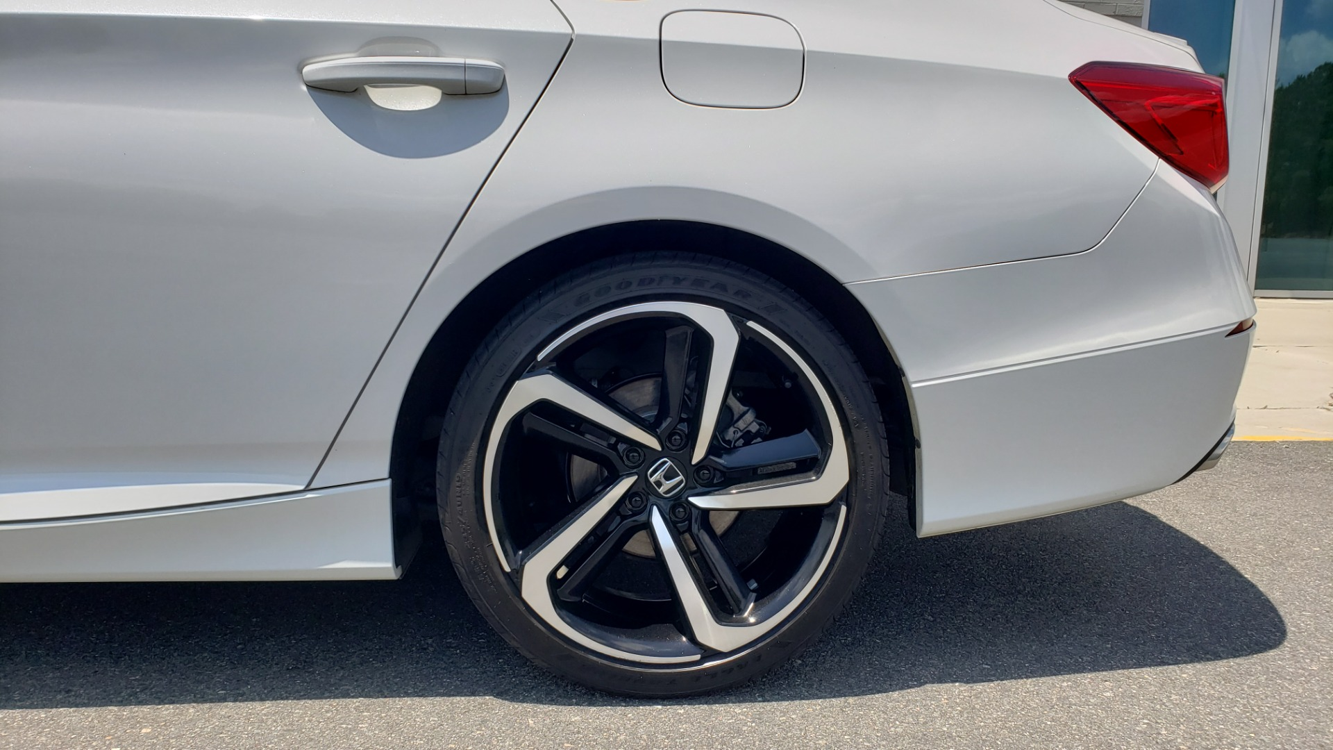 Used 2018 Honda ACCORD SEDAN SPORT 1.5T / CVT TRANS / FWD / 19IN WHEELS for sale $20,995 at Formula Imports in Charlotte NC 28227 67