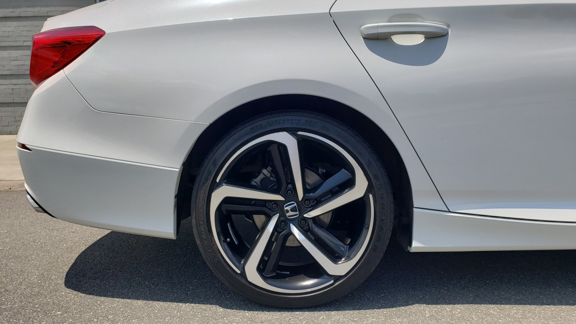 Used 2018 Honda ACCORD SEDAN SPORT 1.5T / CVT TRANS / FWD / 19IN WHEELS for sale $20,995 at Formula Imports in Charlotte NC 28227 68