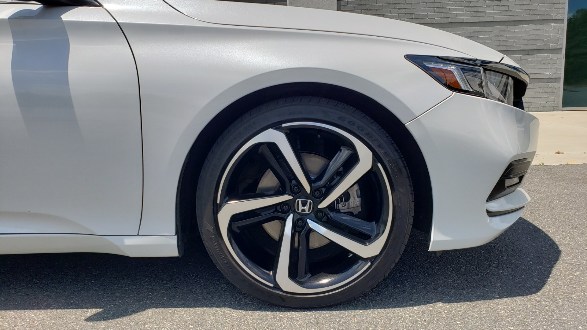 Used 2018 Honda ACCORD SEDAN SPORT 1.5T / CVT TRANS / FWD / 19IN WHEELS for sale $20,995 at Formula Imports in Charlotte NC 28227 69