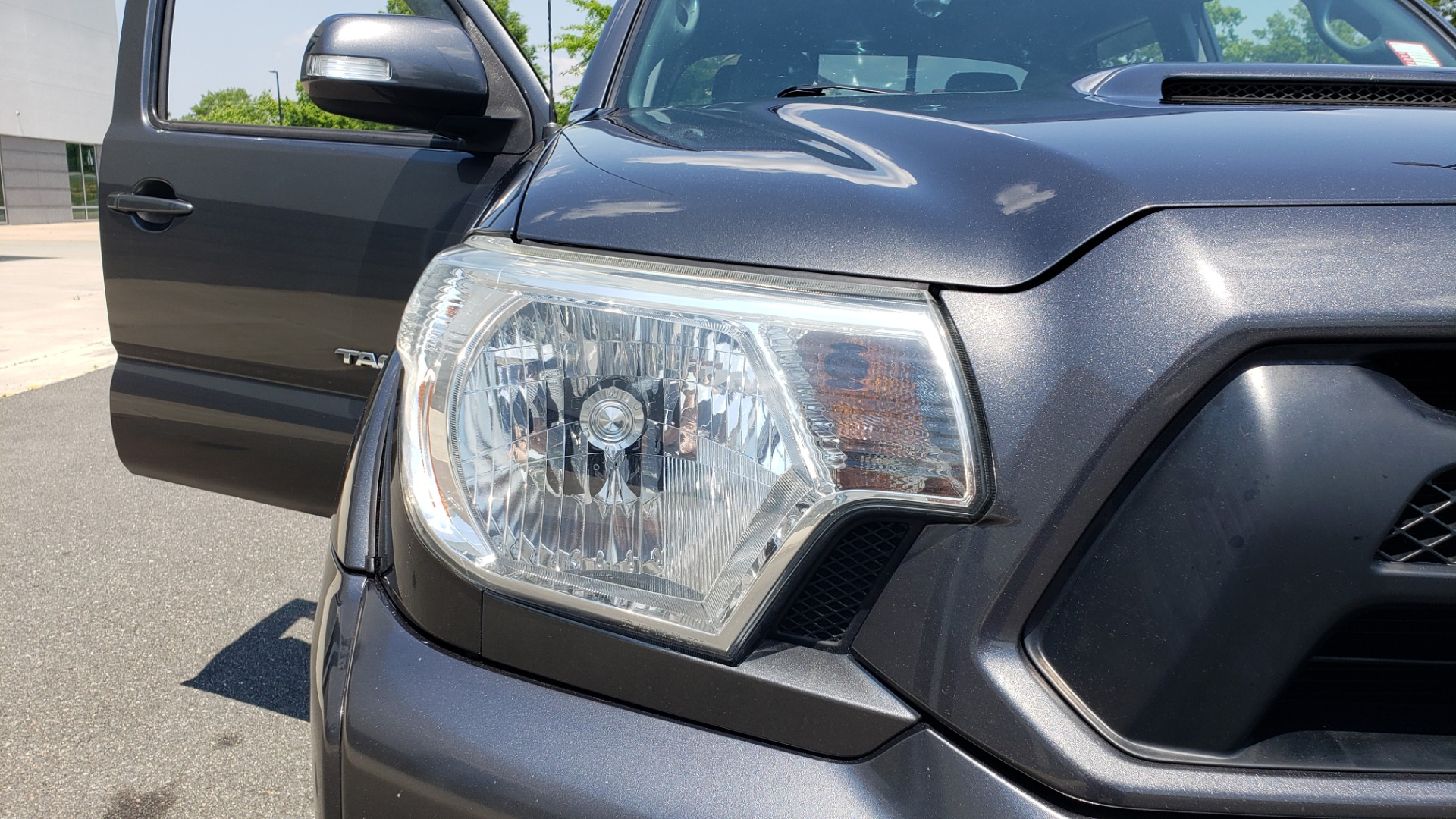 Used 2014 Toyota TACOMA PRERUNNER DOUBLECAB / TRD SPORT / V6 / 5-SPD AUTO / TOW PKG for sale $21,595 at Formula Imports in Charlotte NC 28227 19