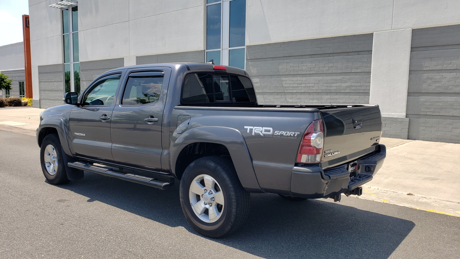 Used 2014 Toyota TACOMA PRERUNNER DOUBLECAB / TRD SPORT / V6 / 5-SPD AUTO / TOW PKG for sale $21,595 at Formula Imports in Charlotte NC 28227 3