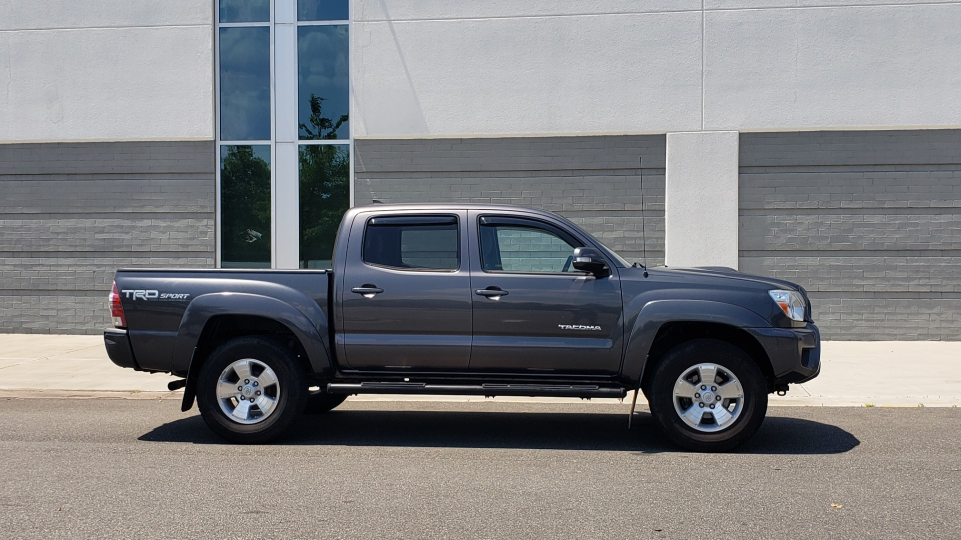 Used 2014 Toyota TACOMA PRERUNNER DOUBLECAB / TRD SPORT / V6 / 5-SPD AUTO / TOW PKG for sale $21,595 at Formula Imports in Charlotte NC 28227 5
