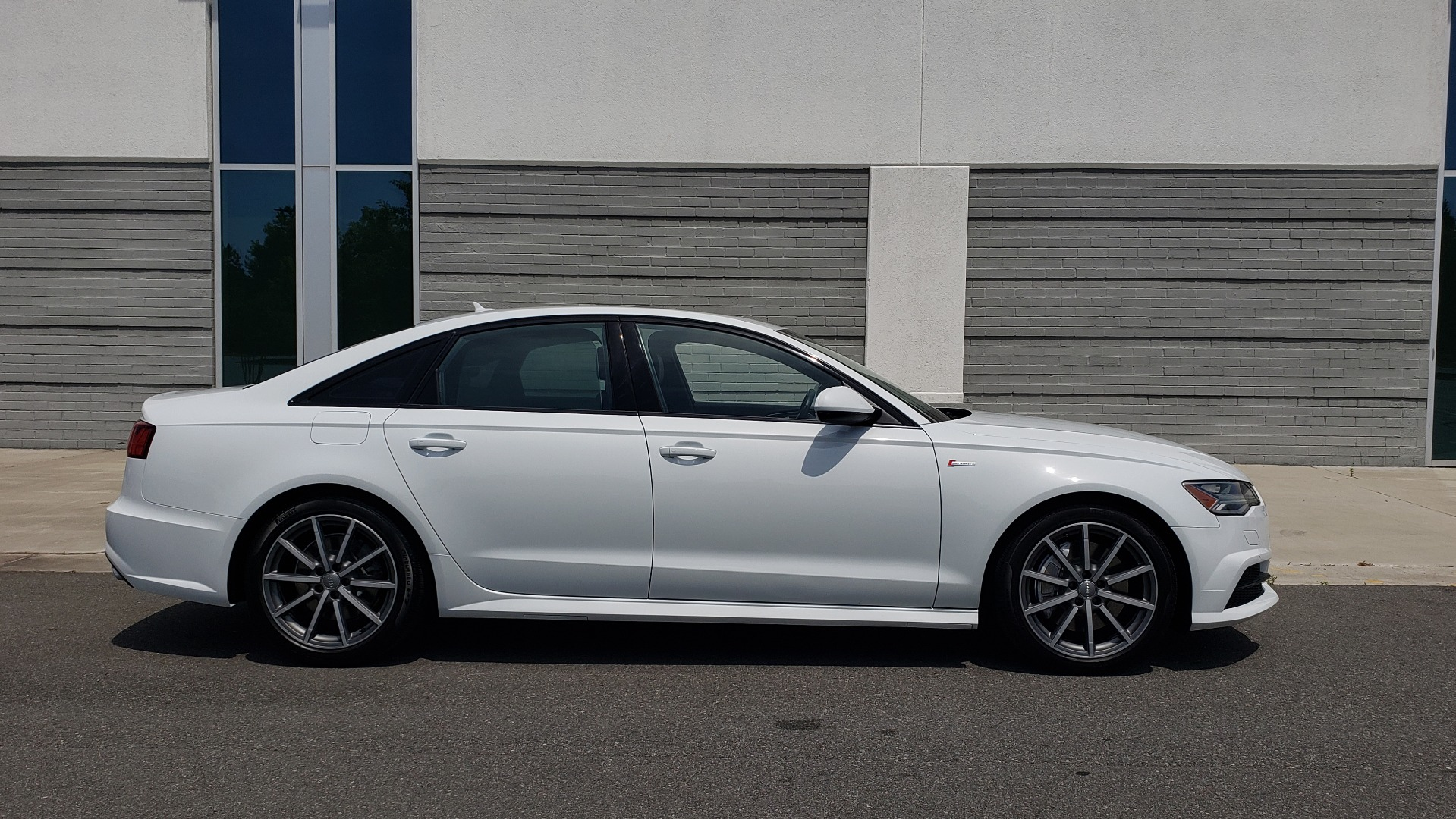 Used 2017 Audi A6 PRESTIGE SEDAN 3.0T / NAV / SUNROOF / BLACK OPTIC / CLD WTHR / REARVIEW for sale $30,797 at Formula Imports in Charlotte NC 28227 10