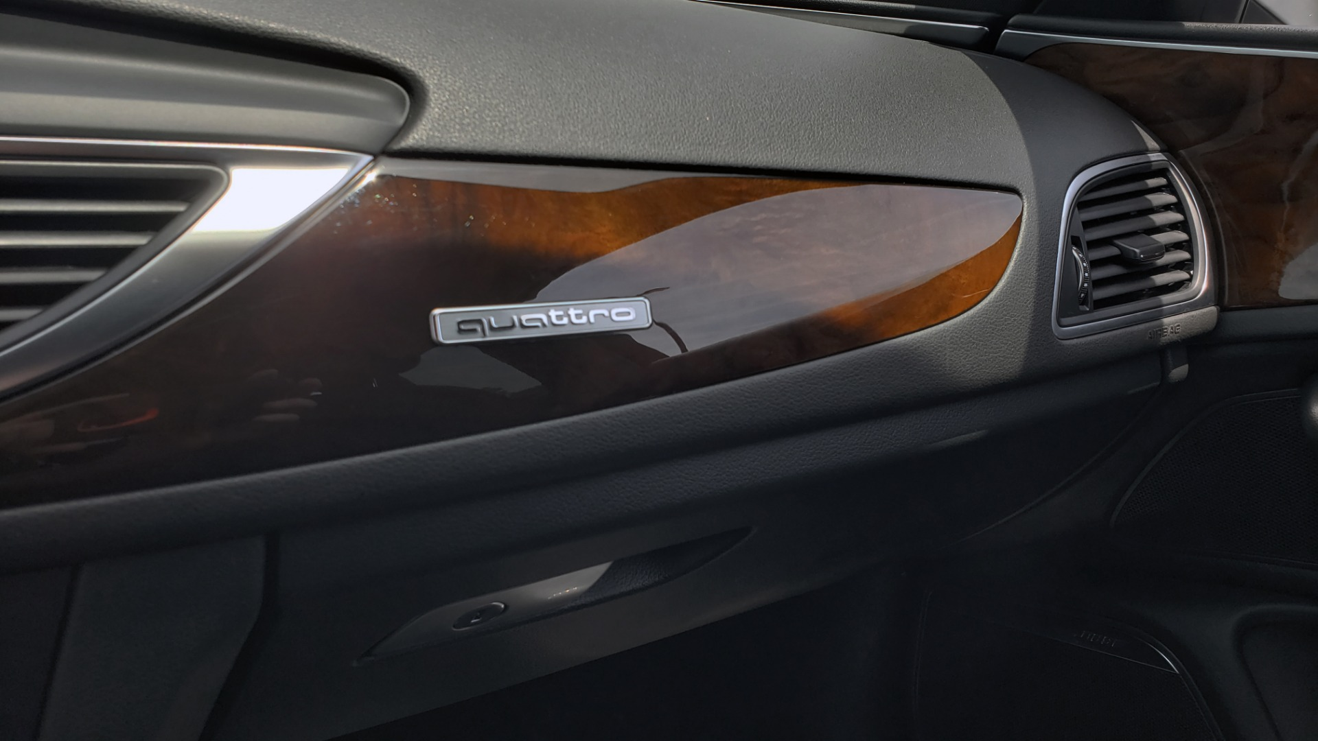 Used 2017 Audi A6 PRESTIGE SEDAN 3.0T / NAV / SUNROOF / BLACK OPTIC / CLD WTHR / REARVIEW for sale $30,797 at Formula Imports in Charlotte NC 28227 53
