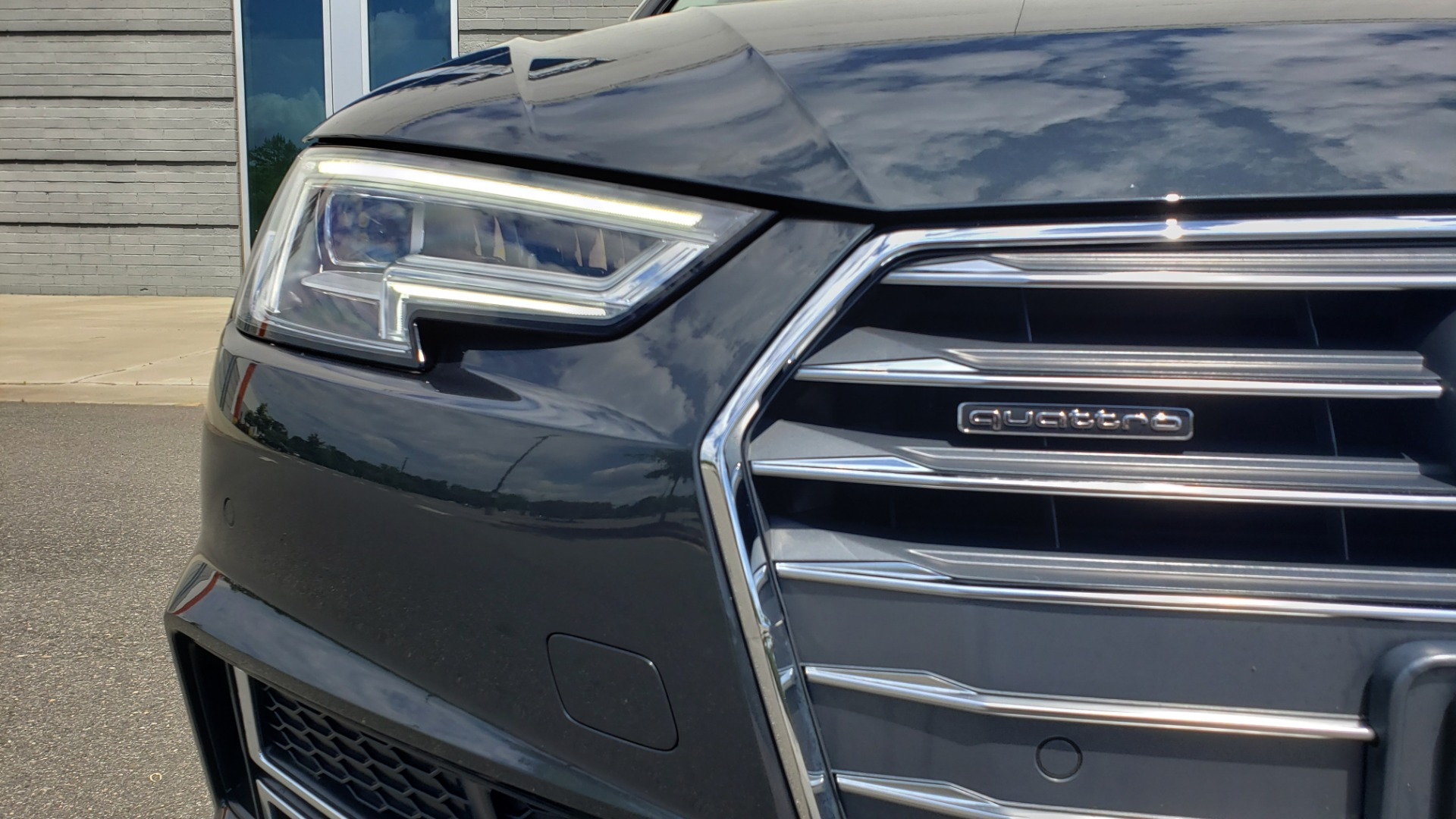 Used 2018 Audi A4 TECH PREMIUM PLUS / NAV / B&O SND / SUNROOF / CLD WTHR / REARVIEW for sale $28,595 at Formula Imports in Charlotte NC 28227 21