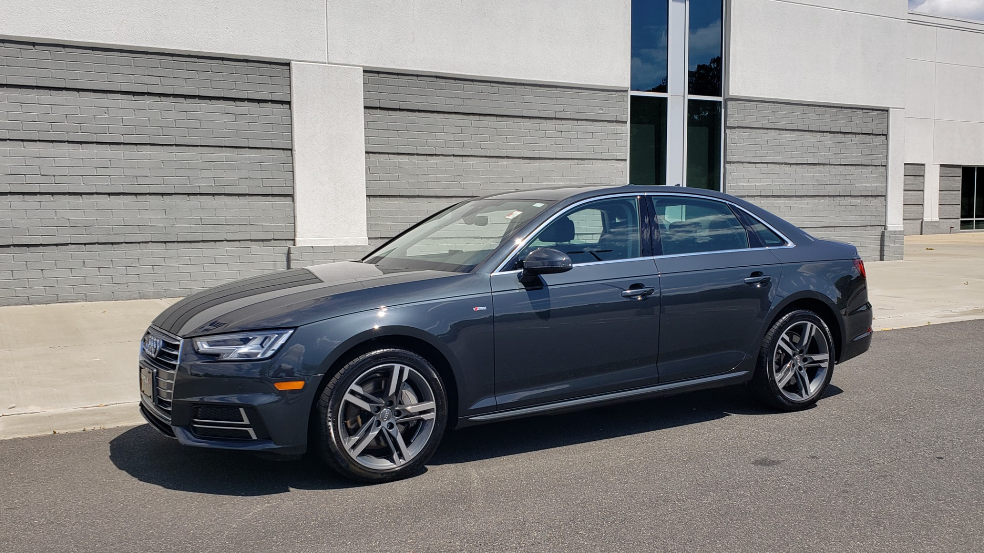 Used 2018 Audi A4 TECH PREMIUM PLUS / NAV / B&O SND / SUNROOF / CLD WTHR / REARVIEW for sale $28,595 at Formula Imports in Charlotte NC 28227 4