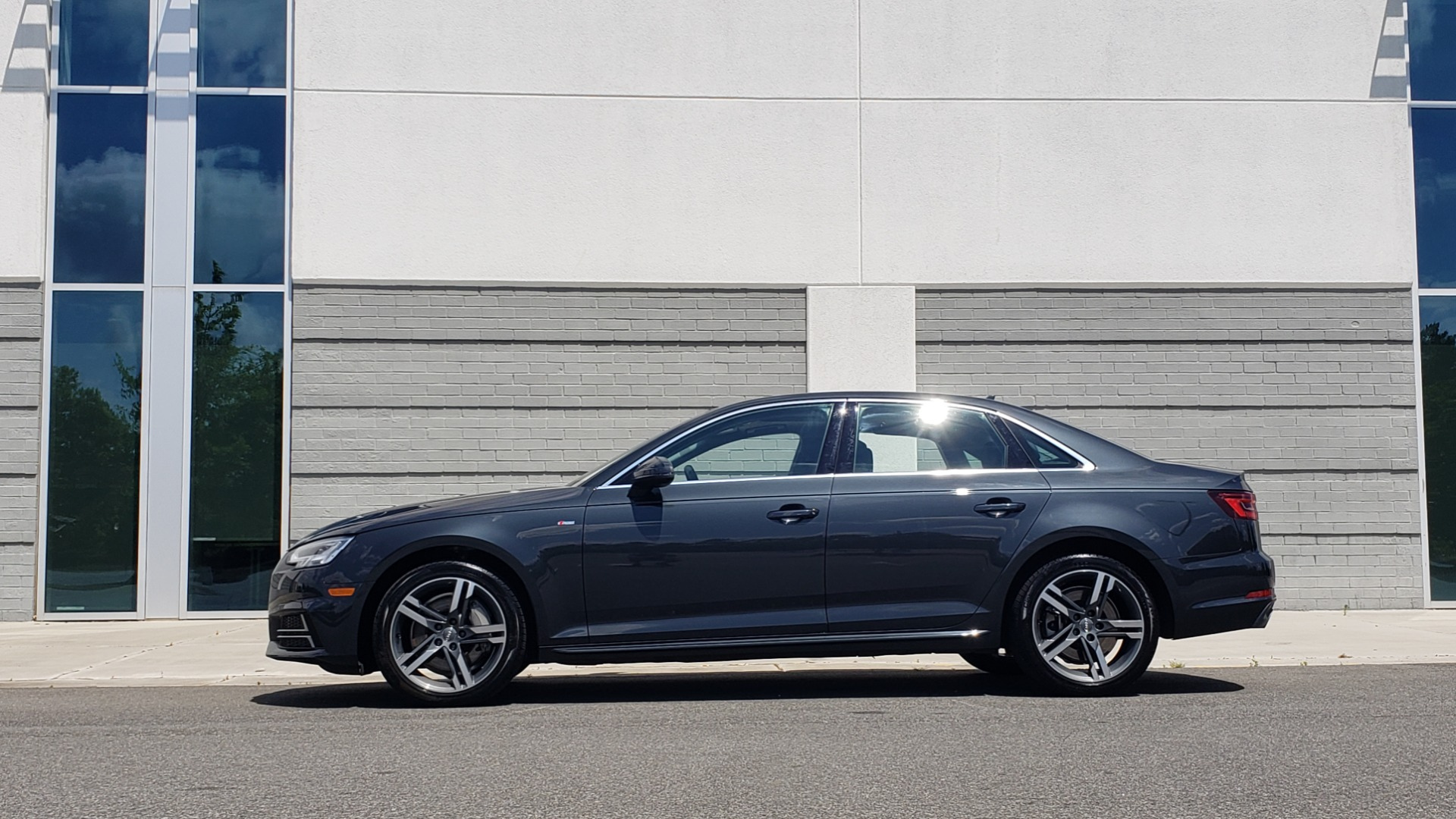 Used 2018 Audi A4 TECH PREMIUM PLUS / NAV / B&O SND / SUNROOF / CLD WTHR / REARVIEW for sale $28,595 at Formula Imports in Charlotte NC 28227 5