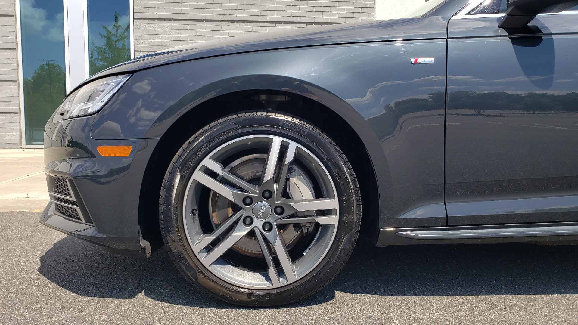 Used 2018 Audi A4 TECH PREMIUM PLUS / NAV / B&O SND / SUNROOF / CLD WTHR / REARVIEW for sale $28,595 at Formula Imports in Charlotte NC 28227 78
