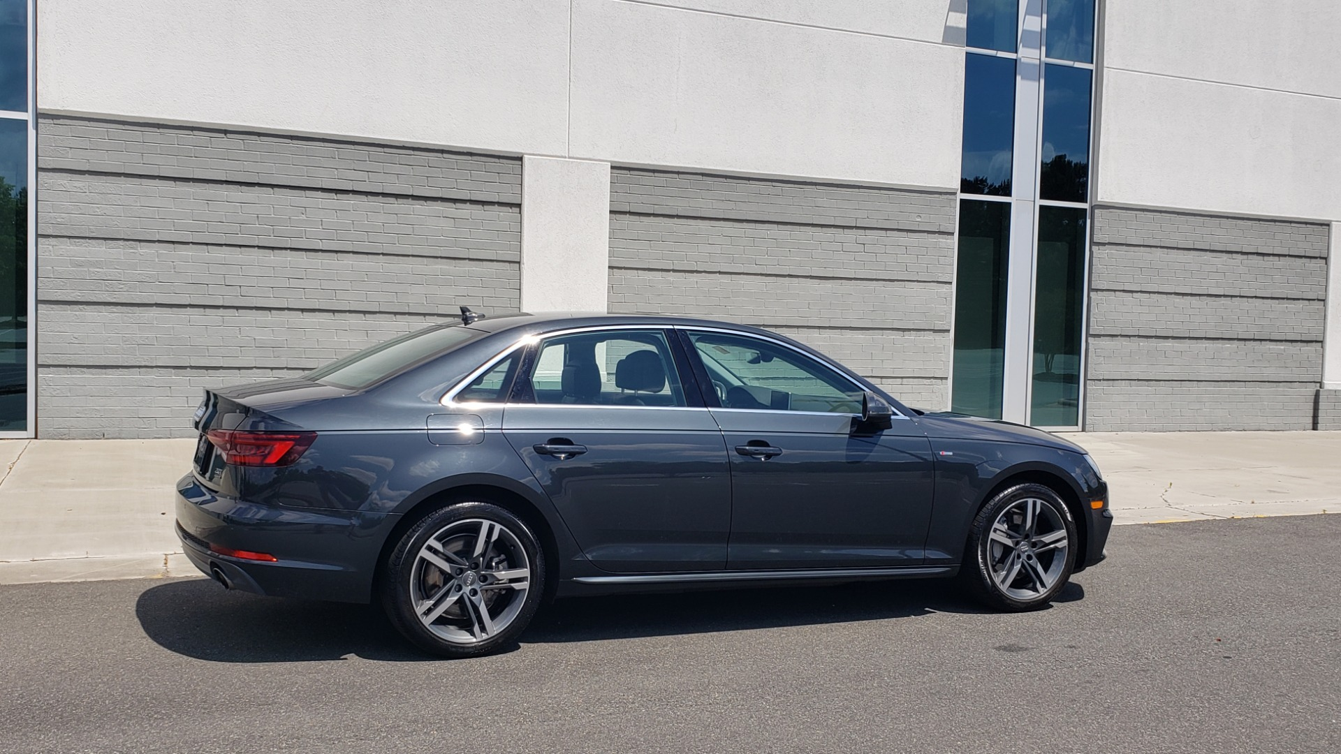 Used 2018 Audi A4 TECH PREMIUM PLUS / NAV / B&O SND / SUNROOF / CLD WTHR / REARVIEW for sale $28,595 at Formula Imports in Charlotte NC 28227 8
