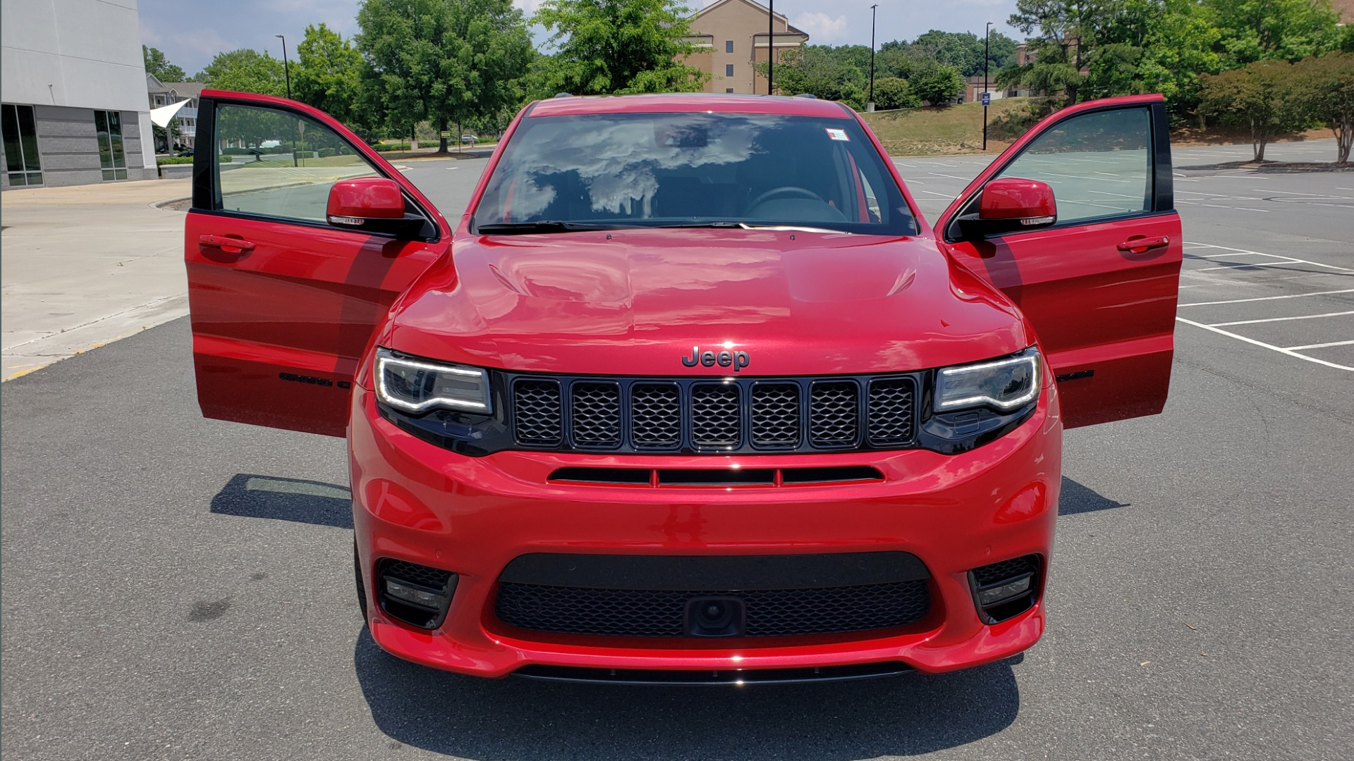 Used 2018 Jeep GRAND CHEROKEE SRT 4X4 / 6.4L HEMI (475HP) / NAV / SUNROOF / H/K SND / REARVIEW for sale Sold at Formula Imports in Charlotte NC 28227 30