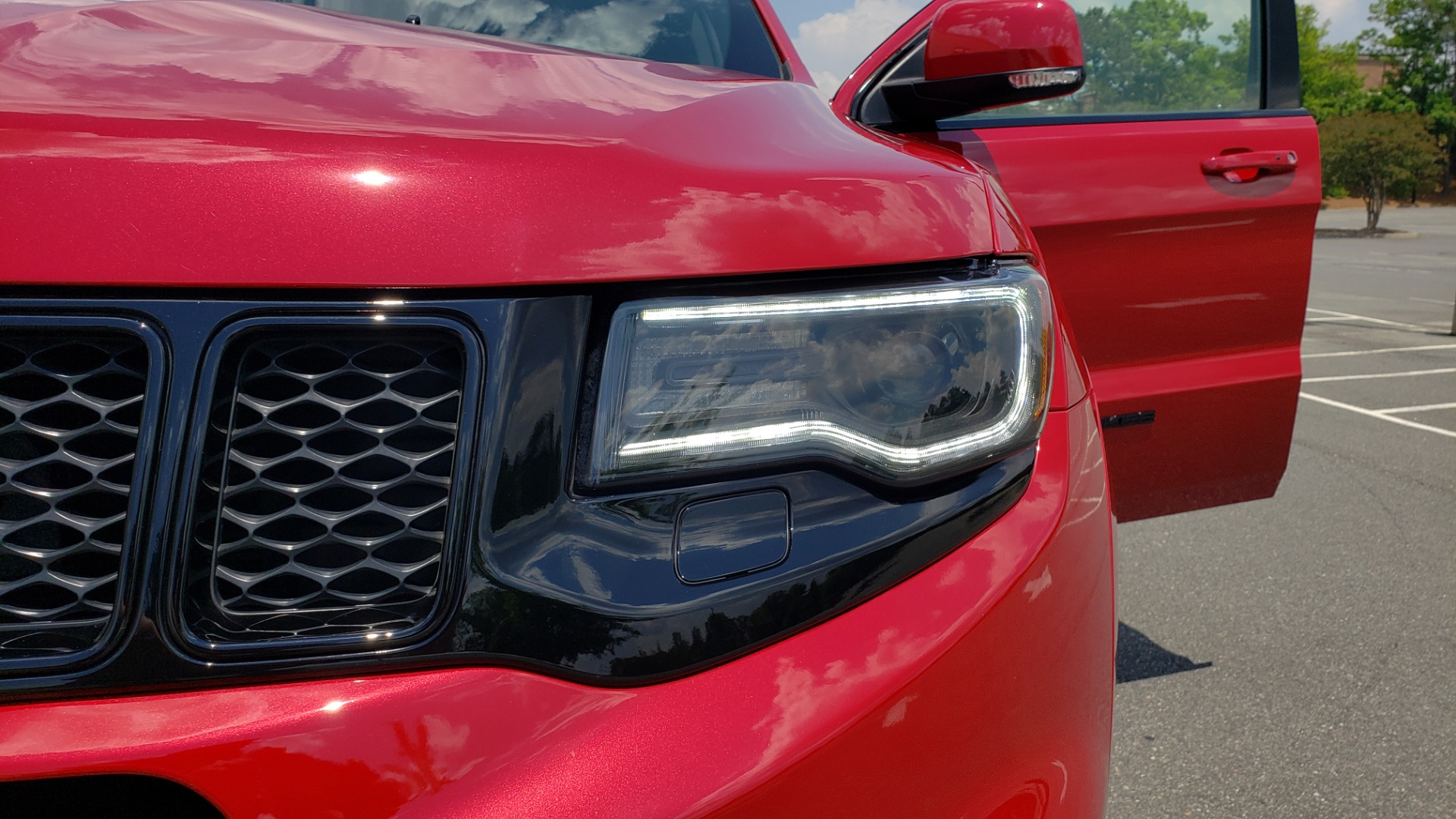 Used 2018 Jeep GRAND CHEROKEE SRT 4X4 / 6.4L HEMI (475HP) / NAV / SUNROOF / H/K SND / REARVIEW for sale Sold at Formula Imports in Charlotte NC 28227 32