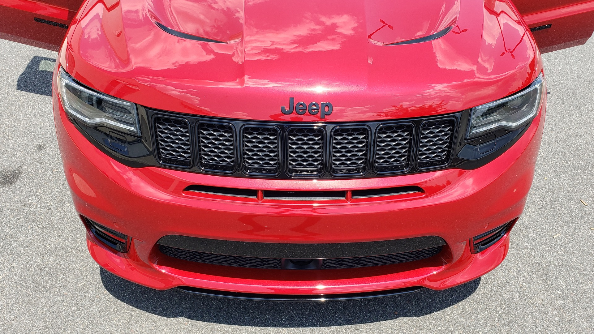 Used 2018 Jeep GRAND CHEROKEE SRT 4X4 / 6.4L HEMI (475HP) / NAV / SUNROOF / H/K SND / REARVIEW for sale Sold at Formula Imports in Charlotte NC 28227 33