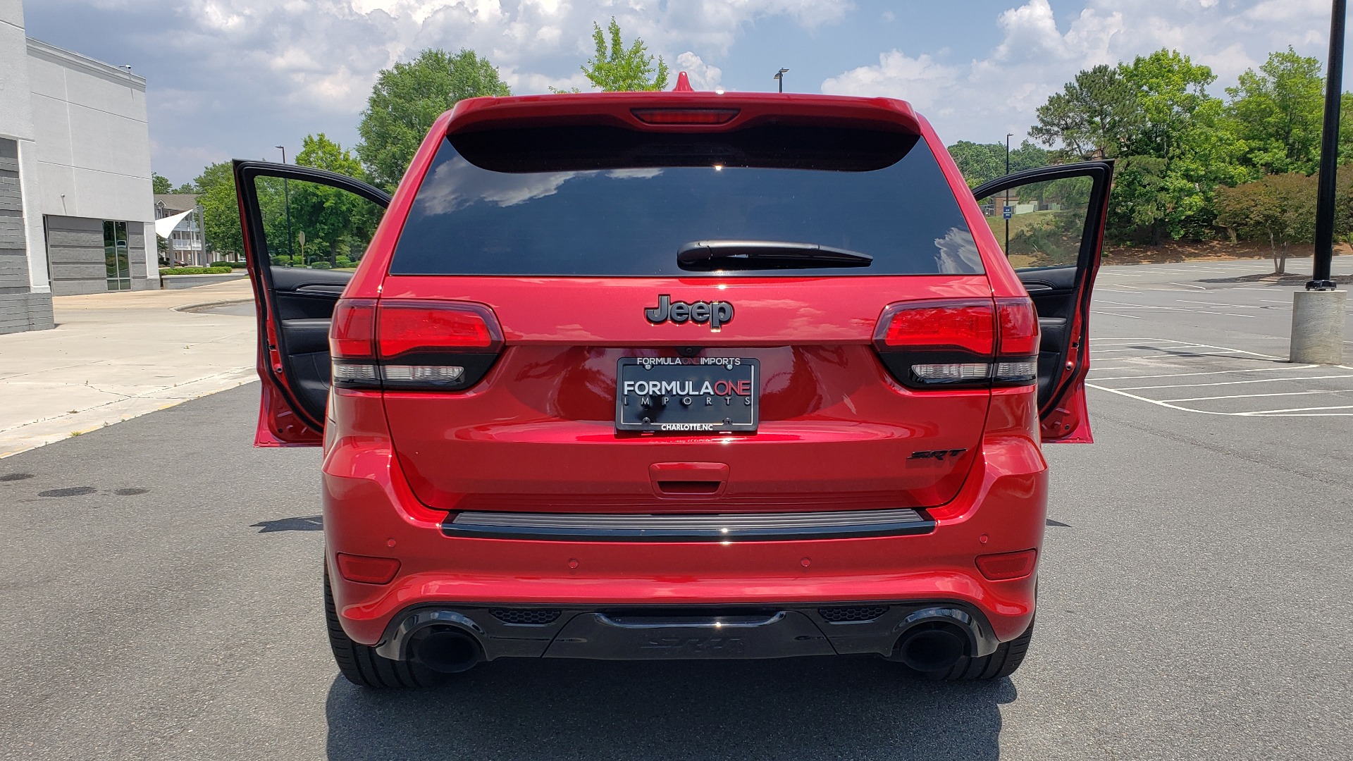 Used 2018 Jeep GRAND CHEROKEE SRT 4X4 / 6.4L HEMI (475HP) / NAV / SUNROOF / H/K SND / REARVIEW for sale Sold at Formula Imports in Charlotte NC 28227 37