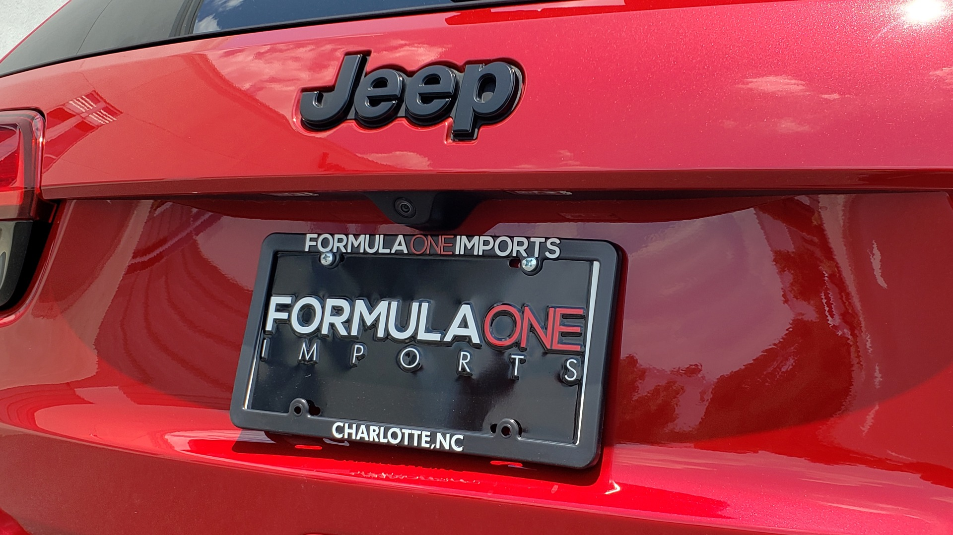 Used 2018 Jeep GRAND CHEROKEE SRT 4X4 / 6.4L HEMI (475HP) / NAV / SUNROOF / H/K SND / REARVIEW for sale Sold at Formula Imports in Charlotte NC 28227 40