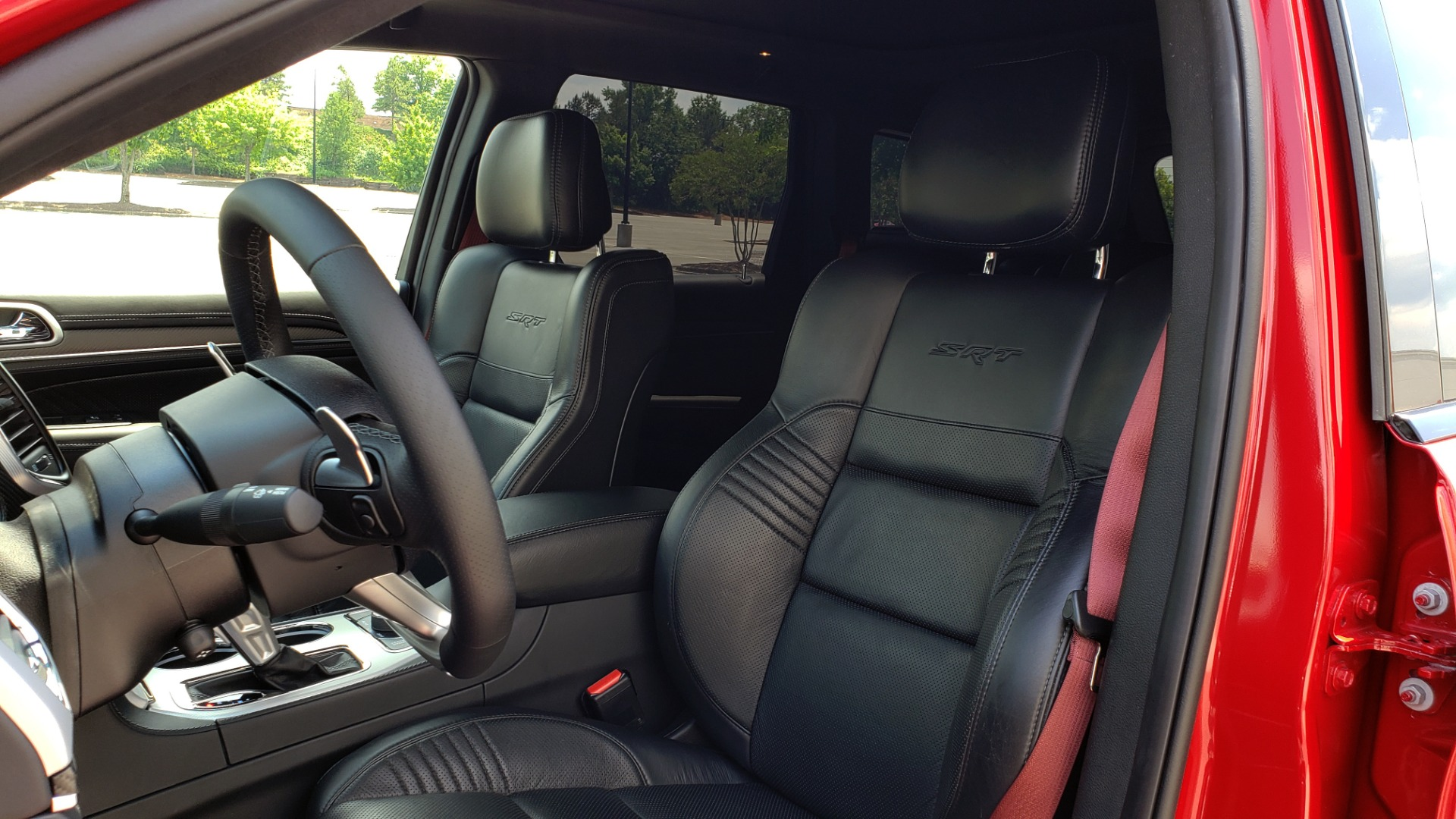 Used 2018 Jeep GRAND CHEROKEE SRT 4X4 / 6.4L HEMI (475HP) / NAV / SUNROOF / H/K SND / REARVIEW for sale Sold at Formula Imports in Charlotte NC 28227 44