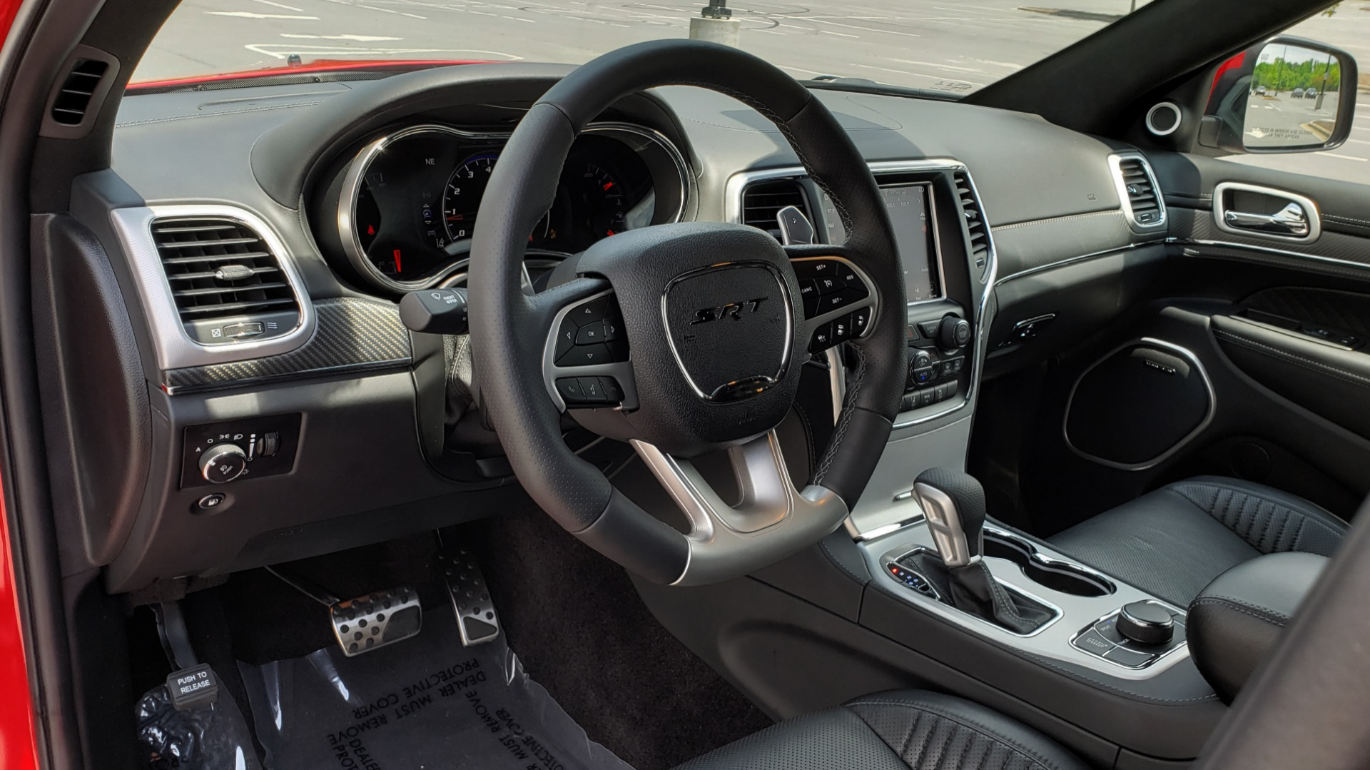 Used 2018 Jeep GRAND CHEROKEE SRT 4X4 / 6.4L HEMI (475HP) / NAV / SUNROOF / H/K SND / REARVIEW for sale Sold at Formula Imports in Charlotte NC 28227 46