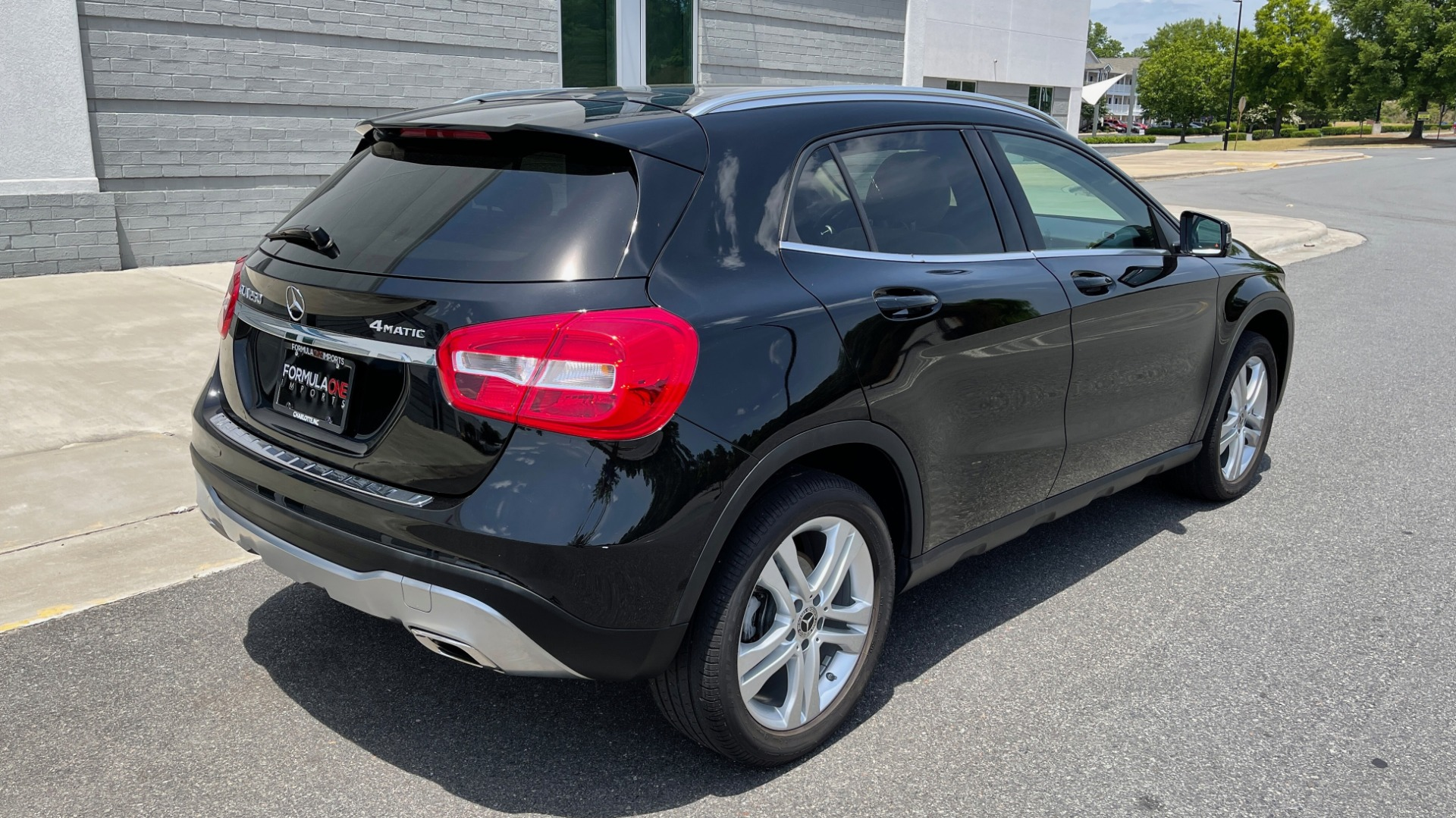 Used 2018 Mercedes-Benz GLA 250 4MATIC SUV / PANO-ROOF / HTD STS / BLIND SPOT ASST / APPLE for sale $31,995 at Formula Imports in Charlotte NC 28227 2