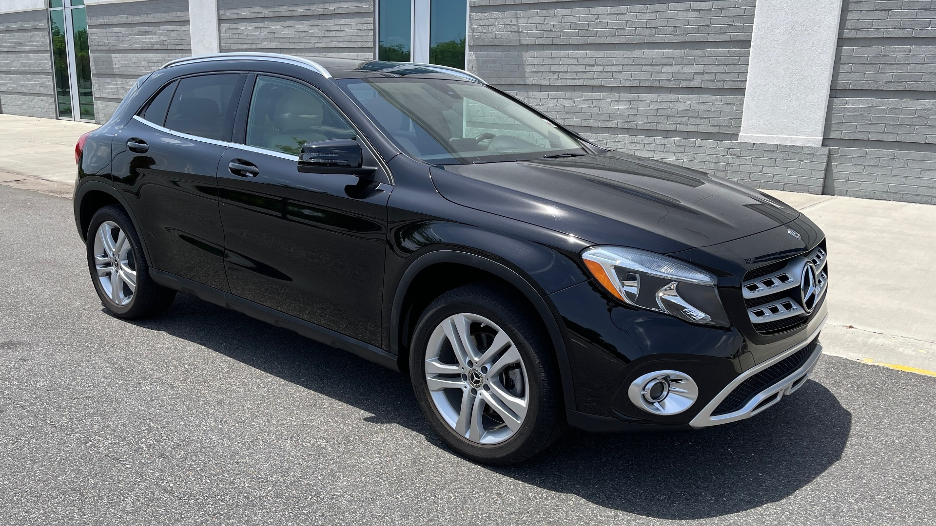 Used 2018 Mercedes-Benz GLA 250 4MATIC SUV / PANO-ROOF / HTD STS / BLIND SPOT ASST / APPLE for sale $31,995 at Formula Imports in Charlotte NC 28227 4