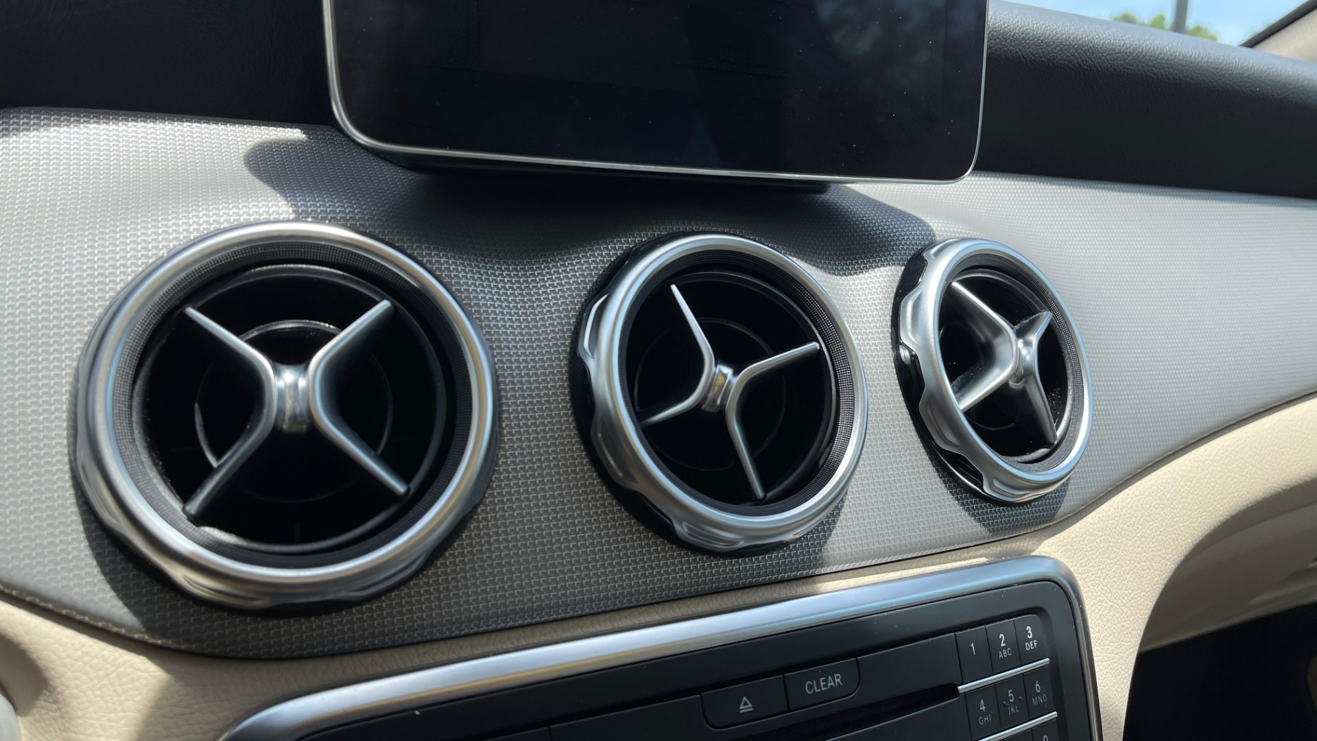 Used 2018 Mercedes-Benz GLA 250 4MATIC SUV / PANO-ROOF / HTD STS / BLIND SPOT ASST / APPLE for sale $31,995 at Formula Imports in Charlotte NC 28227 44