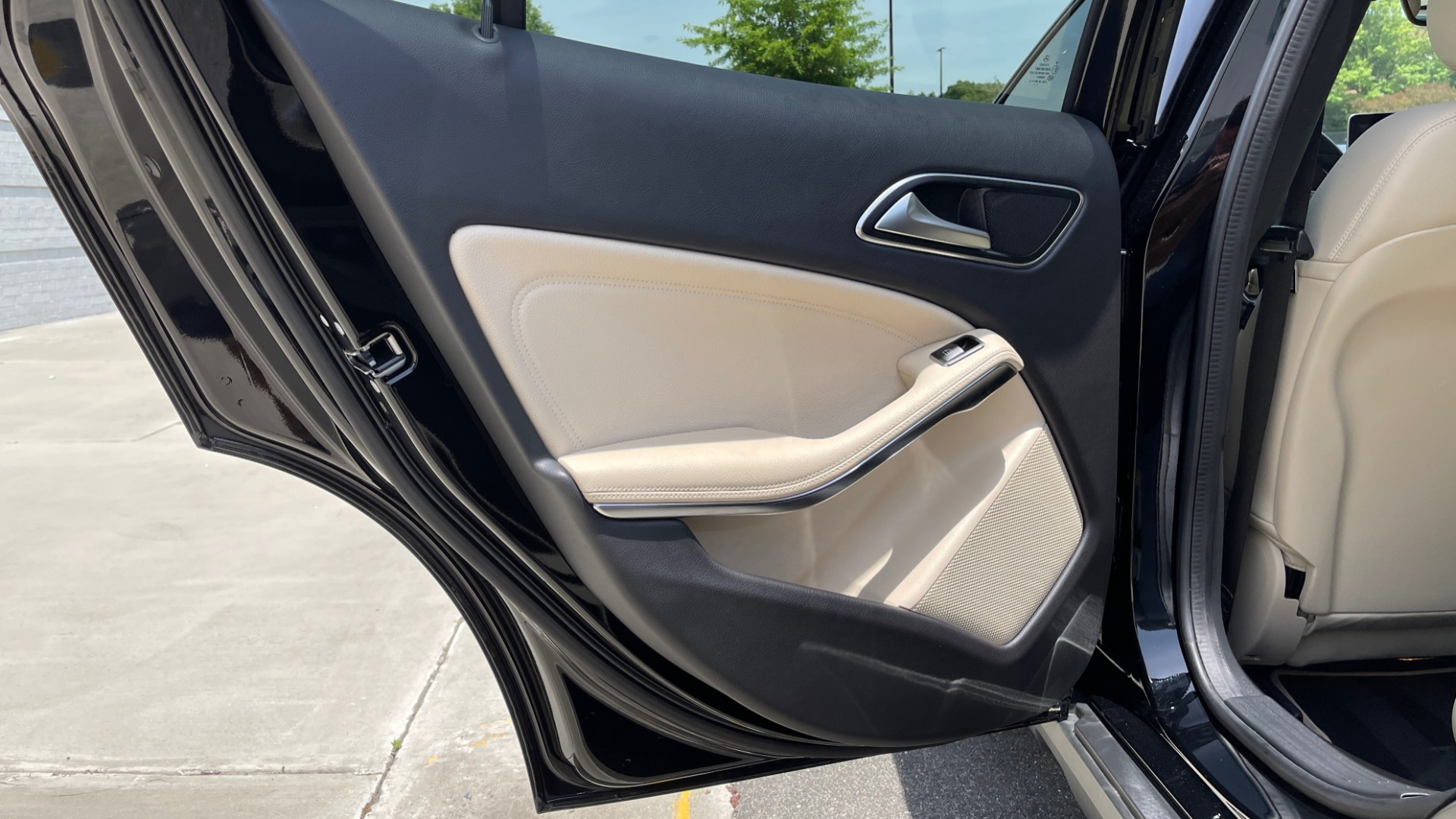 Used 2018 Mercedes-Benz GLA 250 4MATIC SUV / PANO-ROOF / HTD STS / BLIND SPOT ASST / APPLE for sale $31,995 at Formula Imports in Charlotte NC 28227 62