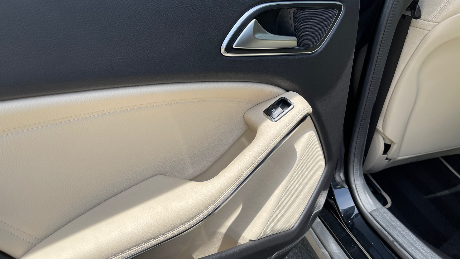 Used 2018 Mercedes-Benz GLA 250 4MATIC SUV / PANO-ROOF / HTD STS / BLIND SPOT ASST / APPLE for sale $31,995 at Formula Imports in Charlotte NC 28227 63