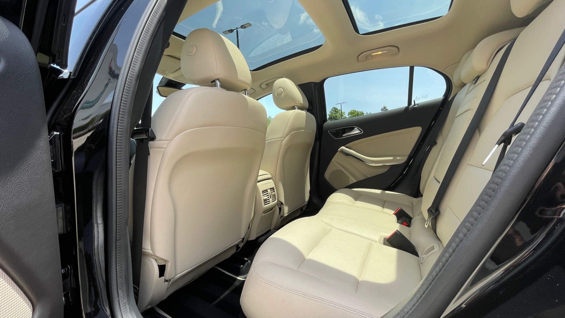 Used 2018 Mercedes-Benz GLA 250 4MATIC SUV / PANO-ROOF / HTD STS / BLIND SPOT ASST / APPLE for sale $31,995 at Formula Imports in Charlotte NC 28227 66