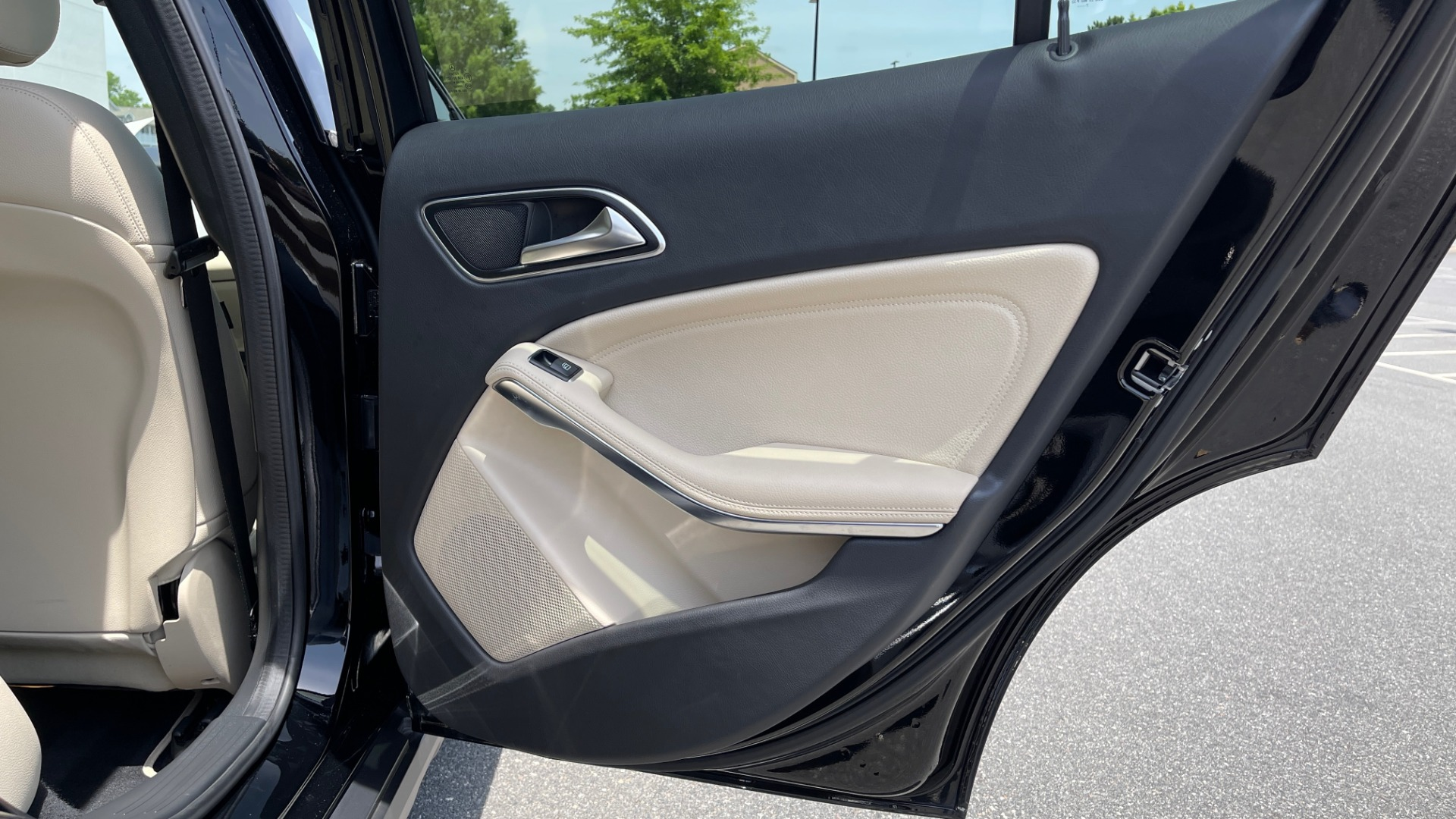 Used 2018 Mercedes-Benz GLA 250 4MATIC SUV / PANO-ROOF / HTD STS / BLIND SPOT ASST / APPLE for sale $31,995 at Formula Imports in Charlotte NC 28227 70