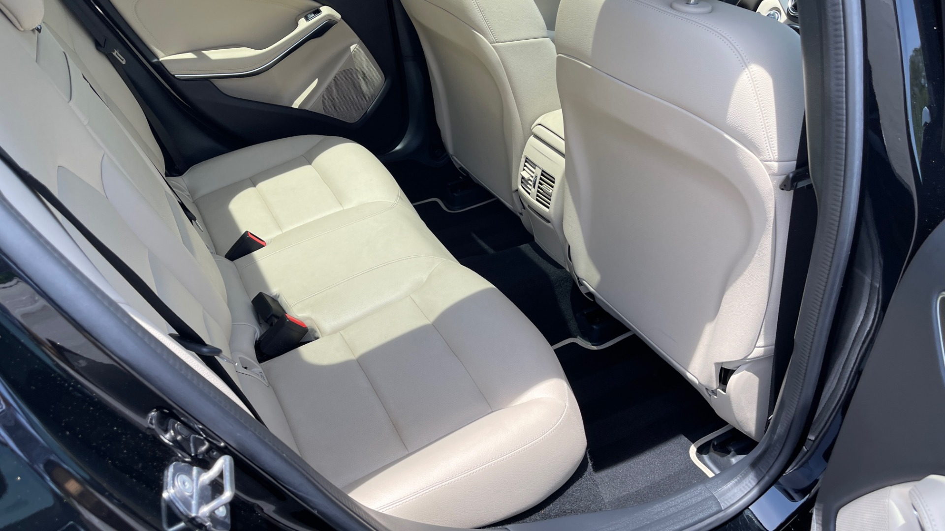 Used 2018 Mercedes-Benz GLA 250 4MATIC SUV / PANO-ROOF / HTD STS / BLIND SPOT ASST / APPLE for sale $31,995 at Formula Imports in Charlotte NC 28227 71