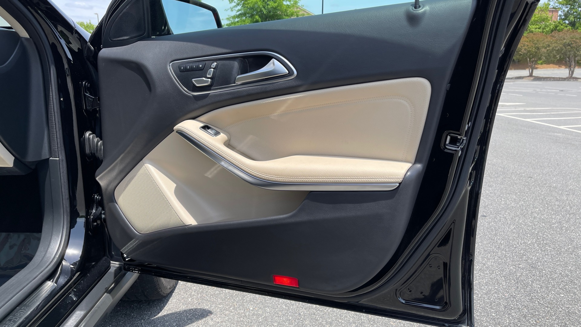 Used 2018 Mercedes-Benz GLA 250 4MATIC SUV / PANO-ROOF / HTD STS / BLIND SPOT ASST / APPLE for sale $31,995 at Formula Imports in Charlotte NC 28227 72