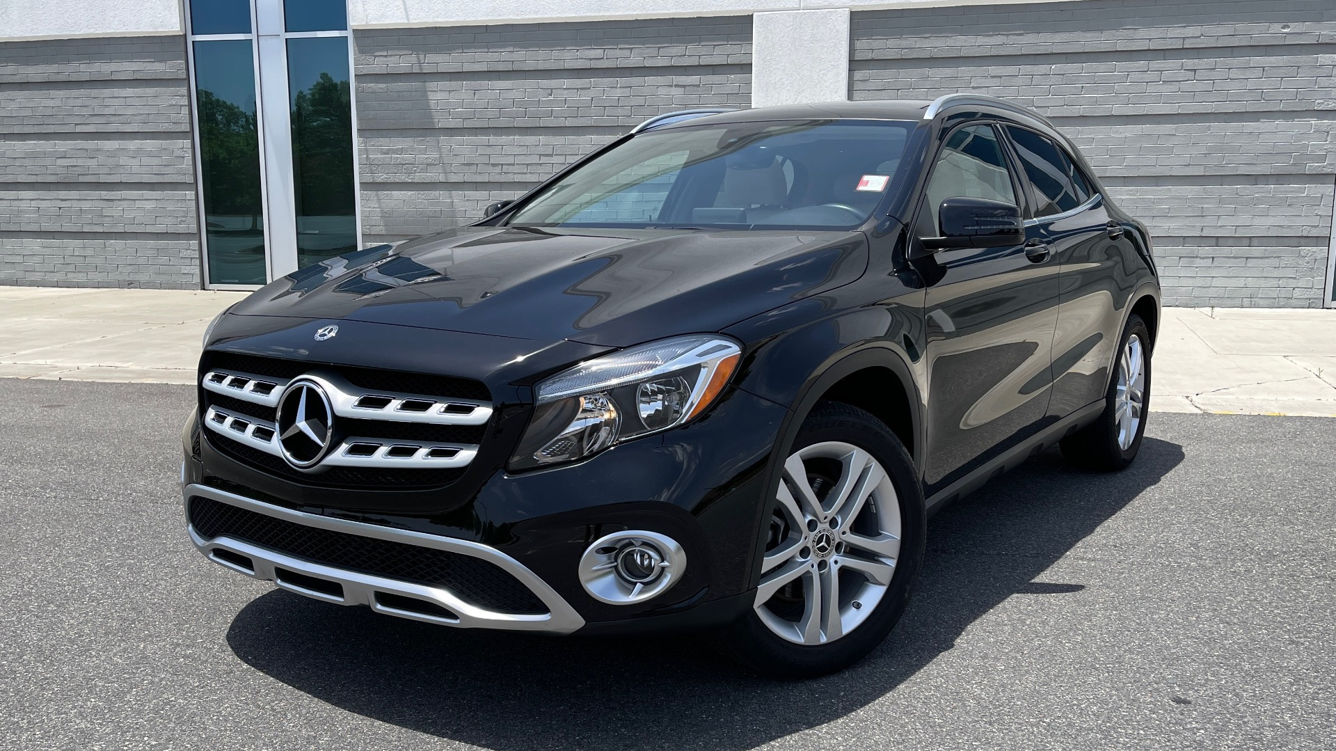 Used 2018 Mercedes-Benz GLA 250 4MATIC SUV / PANO-ROOF / HTD STS / BLIND SPOT ASST / APPLE for sale $31,995 at Formula Imports in Charlotte NC 28227 1