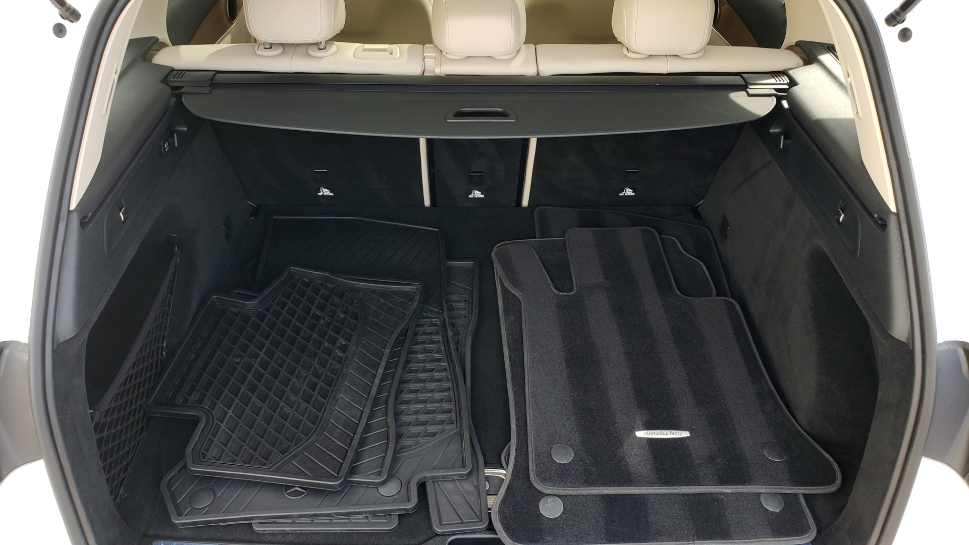 Used 2018 Mercedes-Benz GLC 300 4MATIC / PREM PKG / PANO-ROOF / APPLE / REARVIEW for sale $33,397 at Formula Imports in Charlotte NC 28227 15