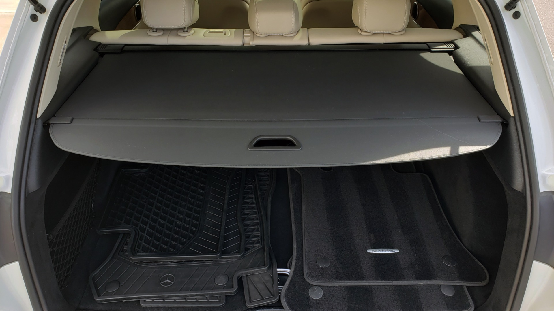 Used 2018 Mercedes-Benz GLC 300 4MATIC / PREM PKG / PANO-ROOF / APPLE / REARVIEW for sale $33,397 at Formula Imports in Charlotte NC 28227 20