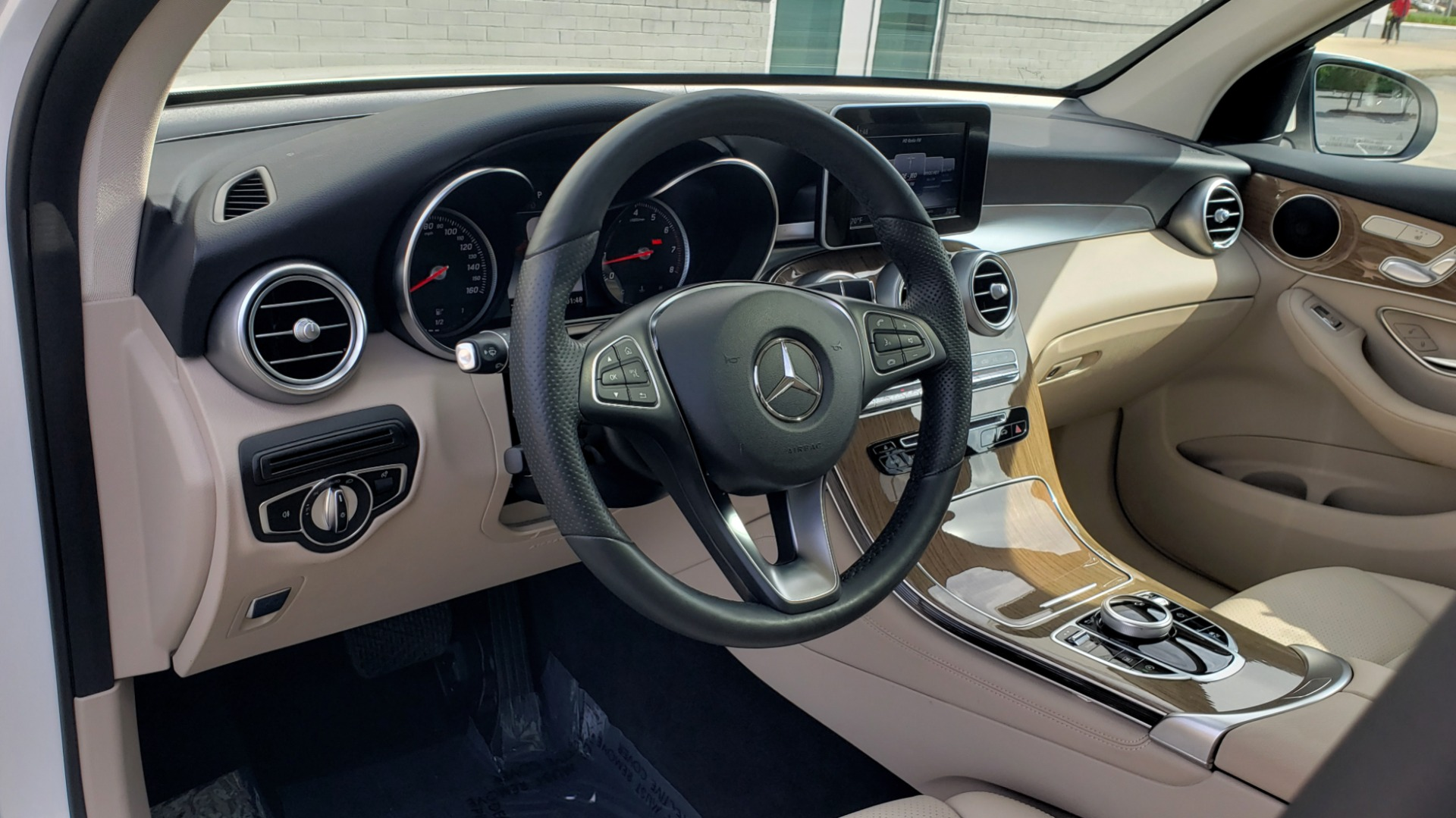 Used 2018 Mercedes-Benz GLC 300 4MATIC / PREM PKG / PANO-ROOF / APPLE / REARVIEW for sale $33,397 at Formula Imports in Charlotte NC 28227 37