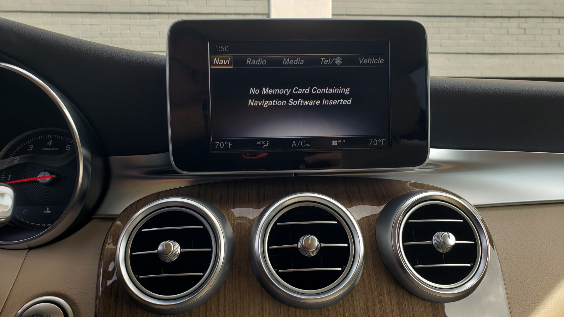 Used 2018 Mercedes-Benz GLC 300 4MATIC / PREM PKG / PANO-ROOF / APPLE / REARVIEW for sale $33,397 at Formula Imports in Charlotte NC 28227 44