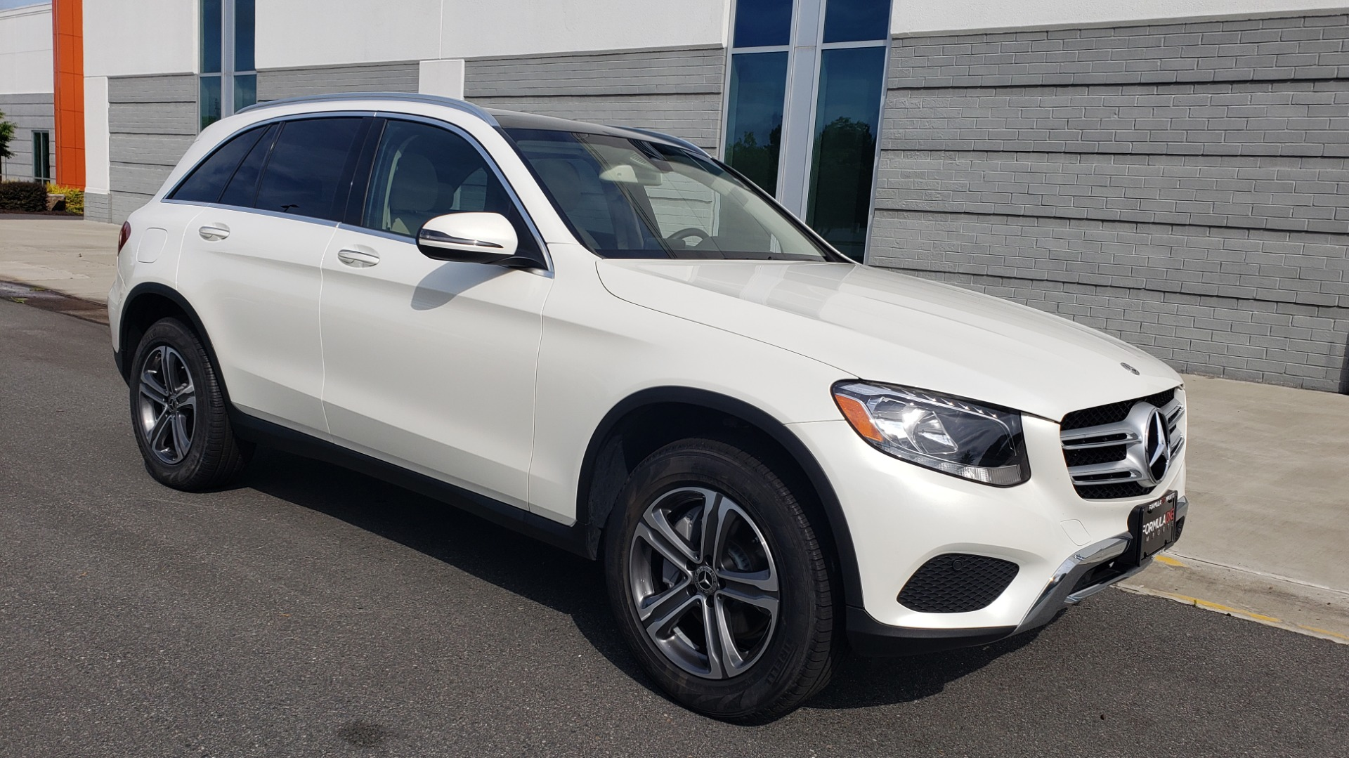 Used 2018 Mercedes-Benz GLC 300 4MATIC / PREM PKG / PANO-ROOF / APPLE / REARVIEW for sale $33,397 at Formula Imports in Charlotte NC 28227 6