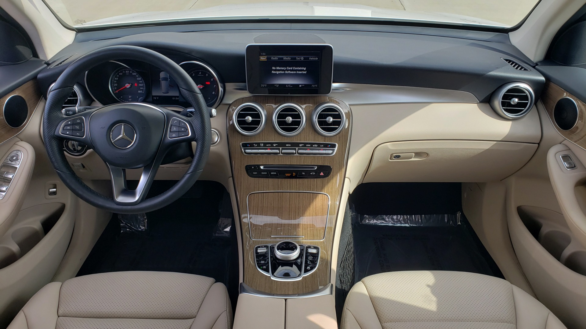 Used 2018 Mercedes-Benz GLC 300 4MATIC / PREM PKG / PANO-ROOF / APPLE / REARVIEW for sale $33,397 at Formula Imports in Charlotte NC 28227 72