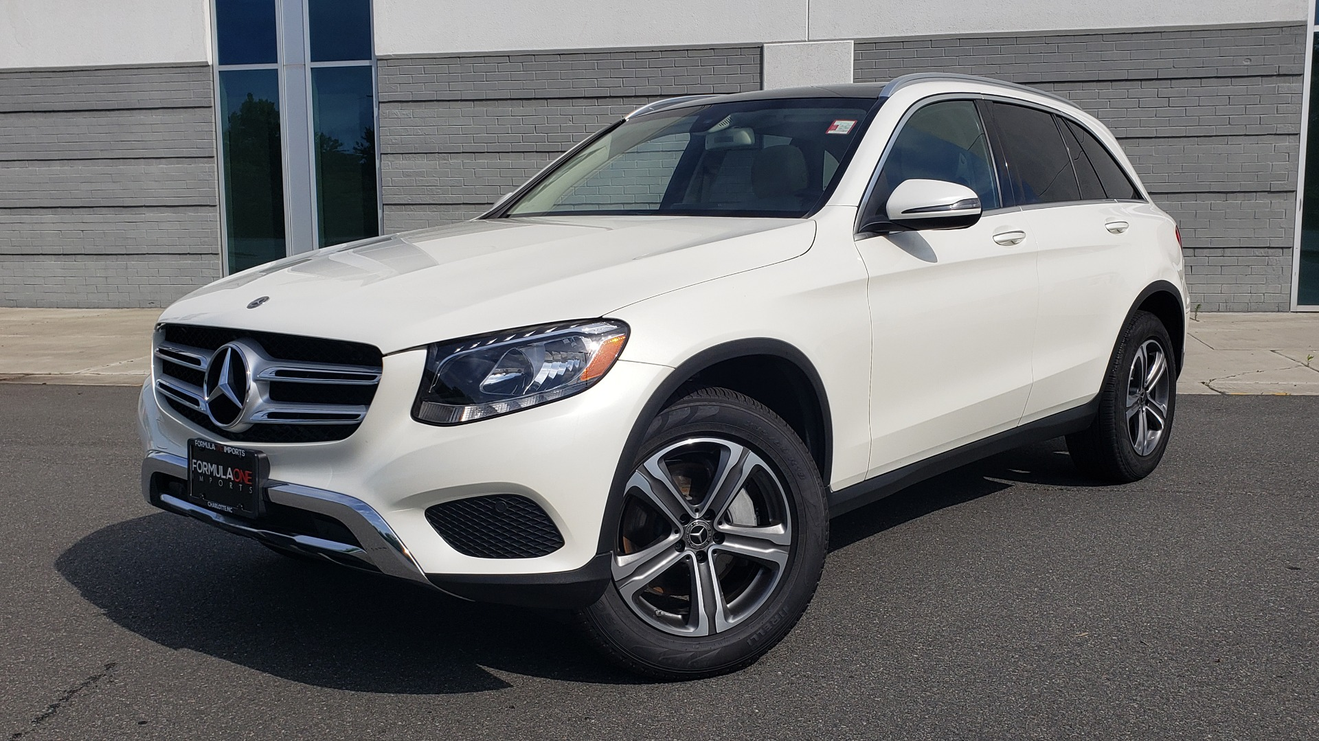 Used 2018 Mercedes-Benz GLC 300 4MATIC / PREM PKG / PANO-ROOF / APPLE / REARVIEW for sale $33,397 at Formula Imports in Charlotte NC 28227 1