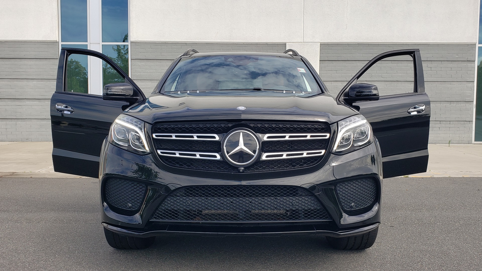 Used 2017 Mercedes-Benz GLS 550 4MATIC / NAV / DRVR ASST / SUNROOF / NIGHT PKG / REARVIEW for sale Call for price at Formula Imports in Charlotte NC 28227 53