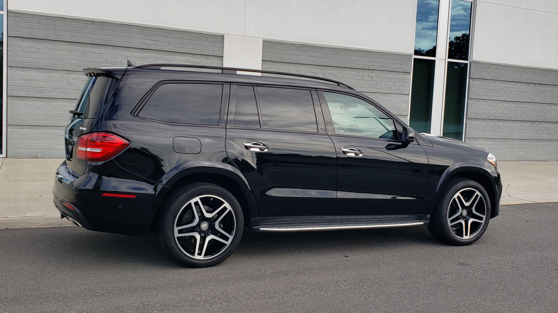 Used 2017 Mercedes-Benz GLS 550 4MATIC / NAV / DRVR ASST / SUNROOF / NIGHT PKG / REARVIEW for sale Call for price at Formula Imports in Charlotte NC 28227 6